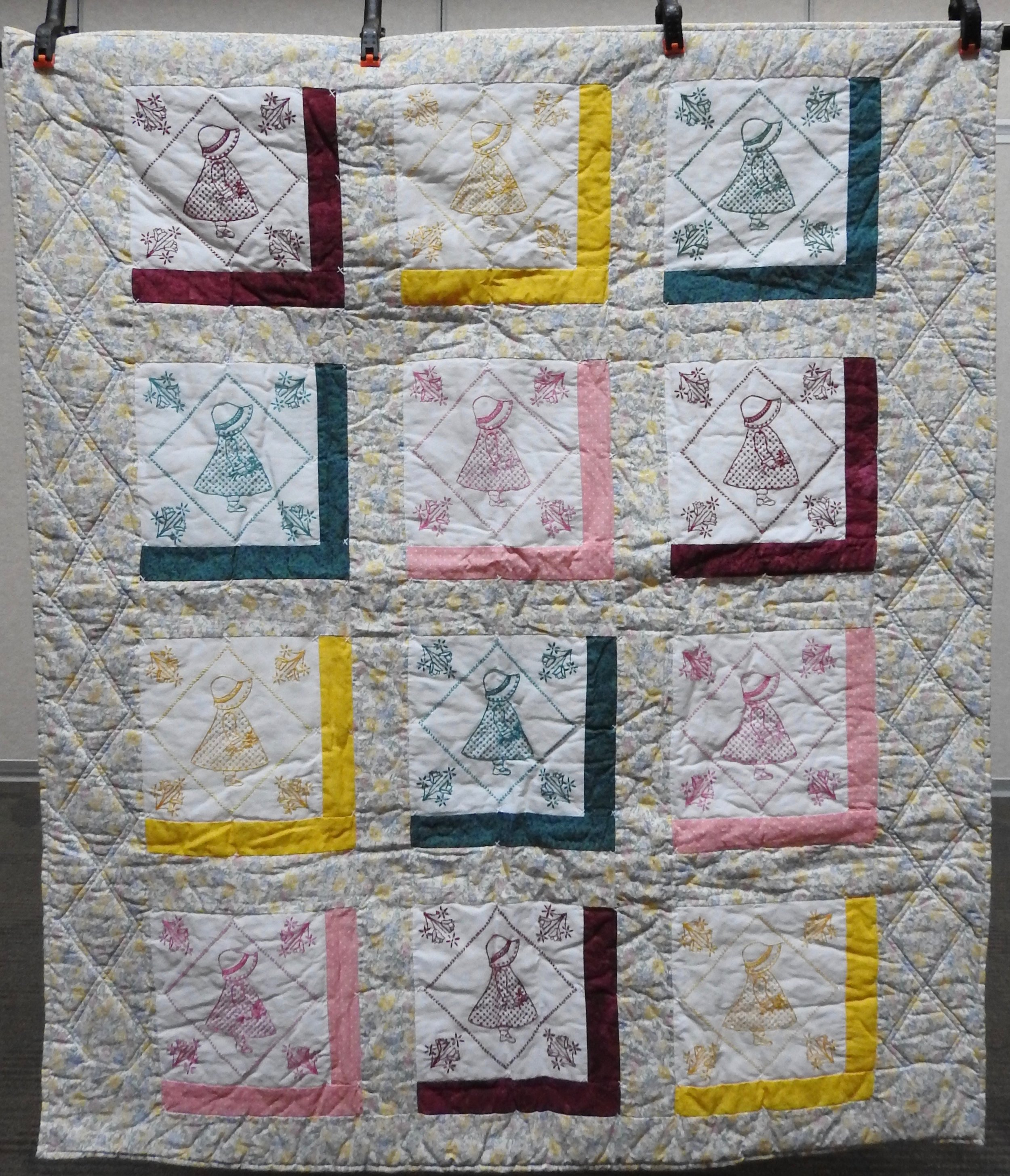 Sunbonnet Sue Crib Size, Pieced, Embroidered, Decatur Knotting & Machine Quilting, Clinton Frame Church, 43 x 50""