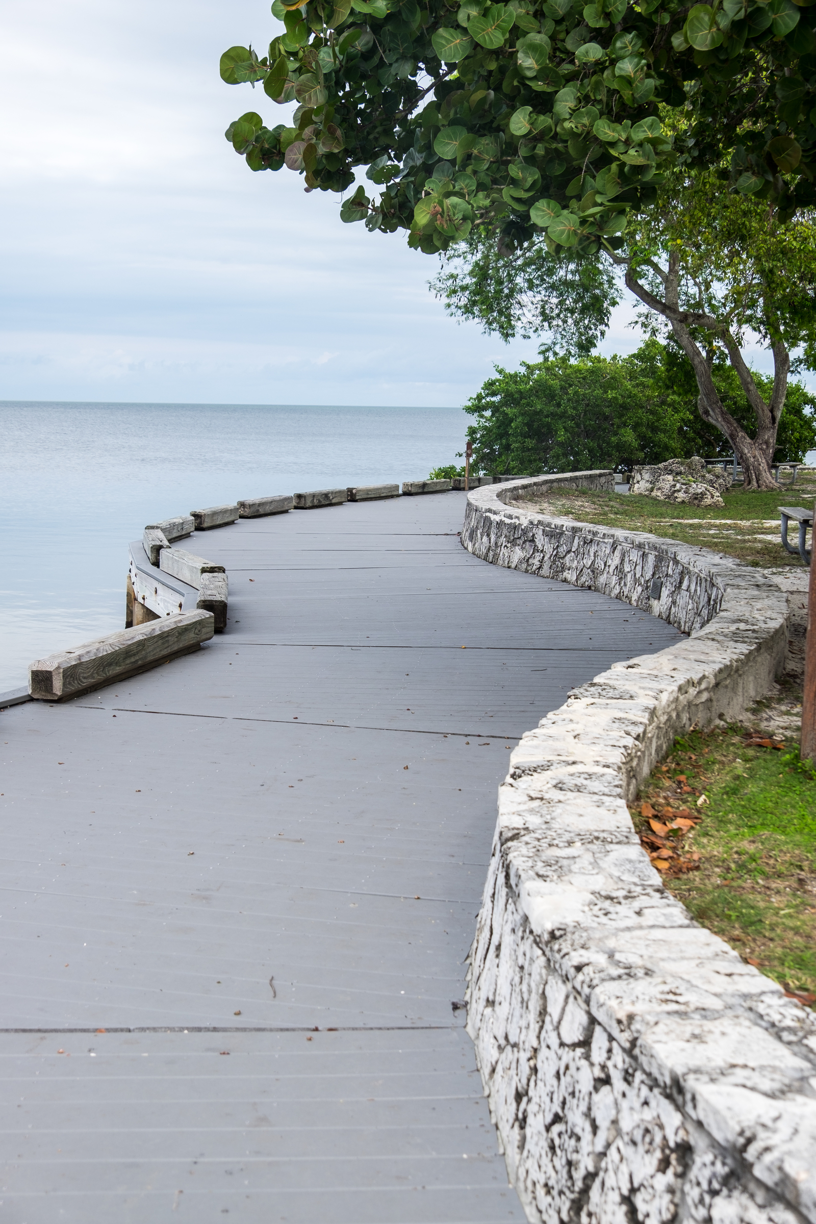 A pathway along the water at the Biscayne NP visitor center.