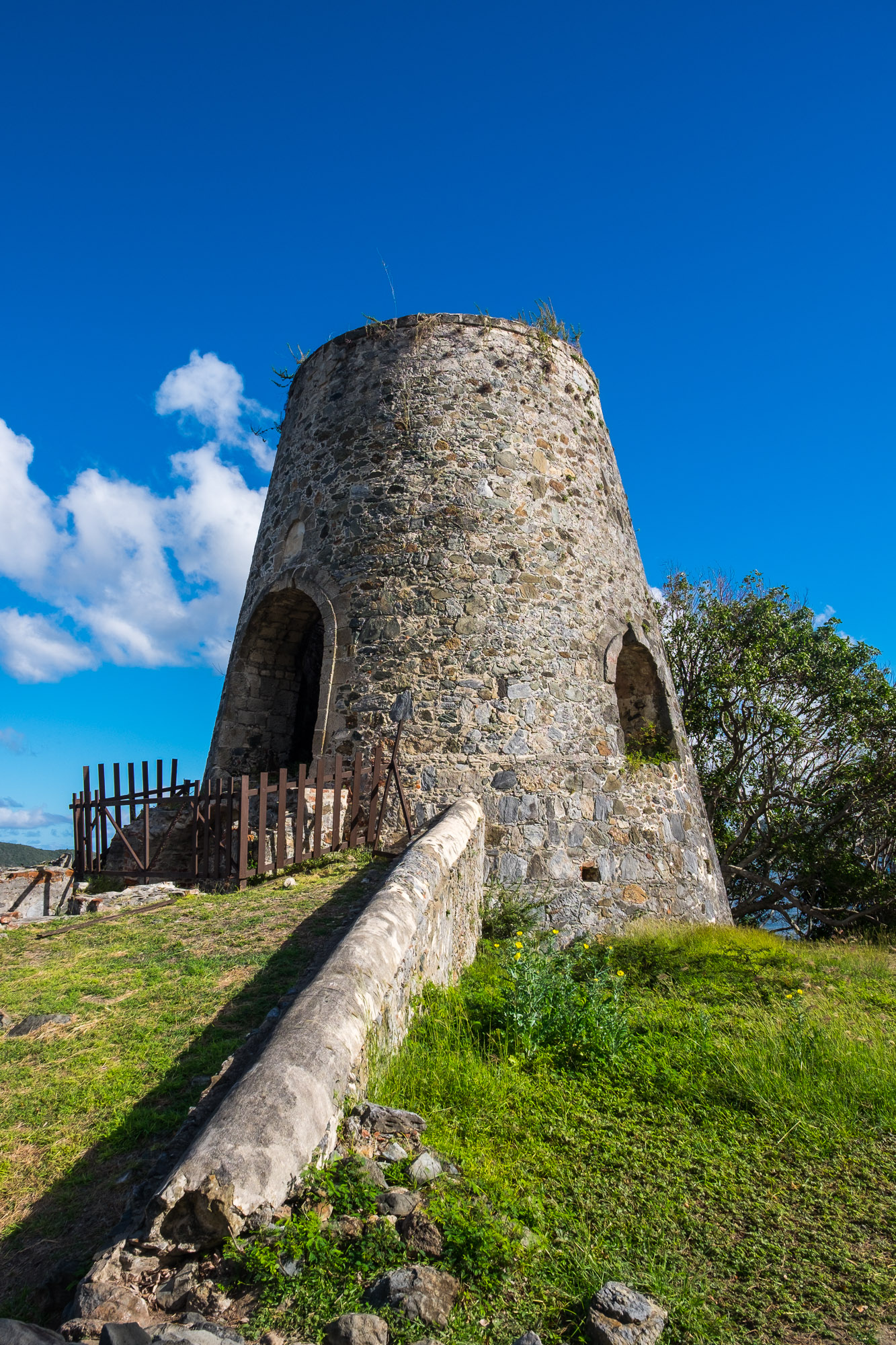 The ruins of the old windmill at the Annaberg Sugarmill.