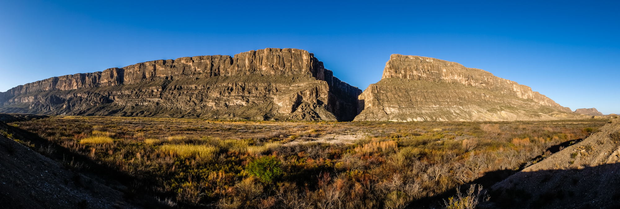One of our first stops within the park was Santa Elena Canyon, where the Rio Grande cut through the rock long over time, dividing the US and Mexico. This is a panorama of the slit in the canyon.