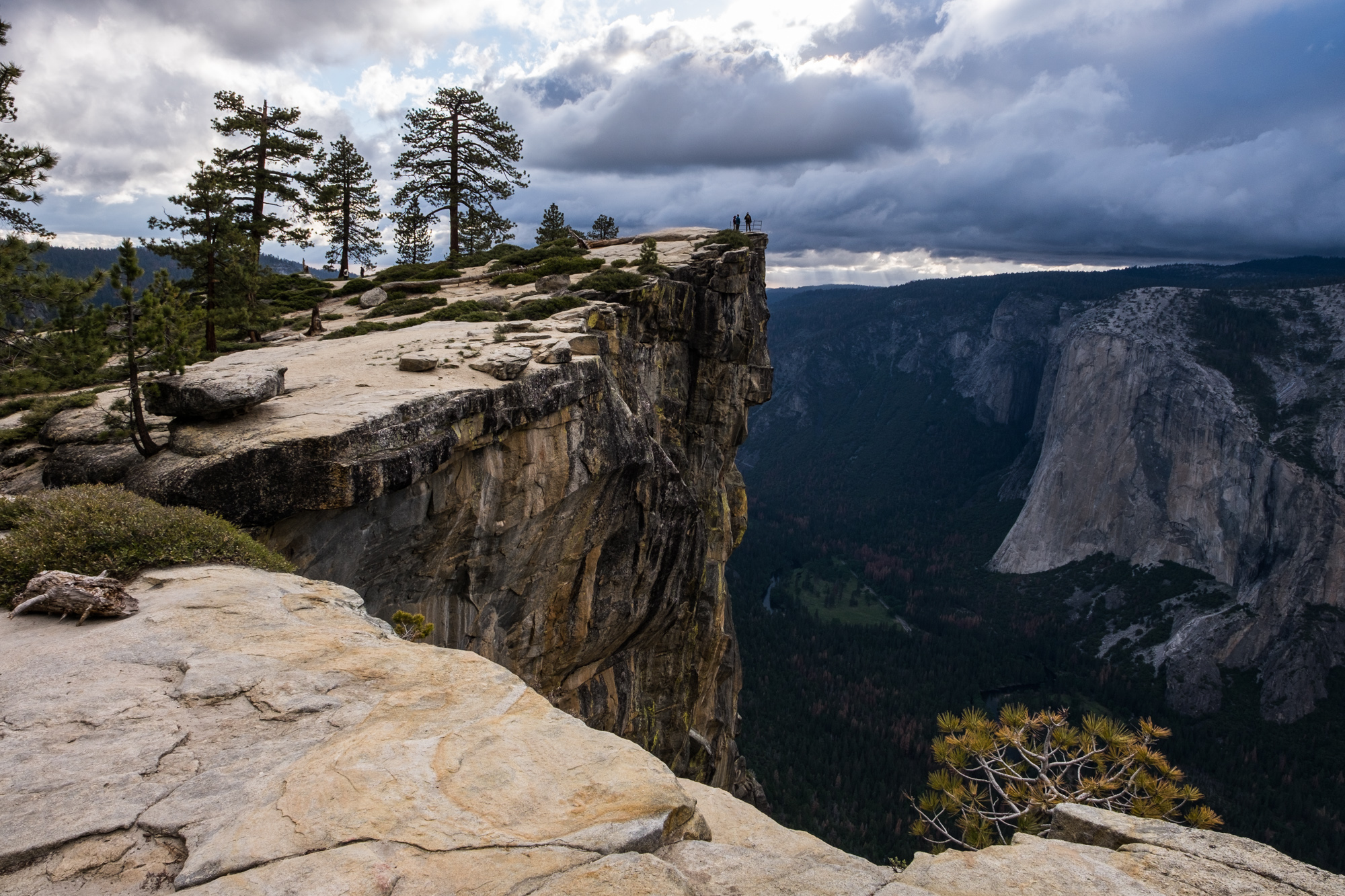 Hikers at the Taft Point lookout. It is a long way down!