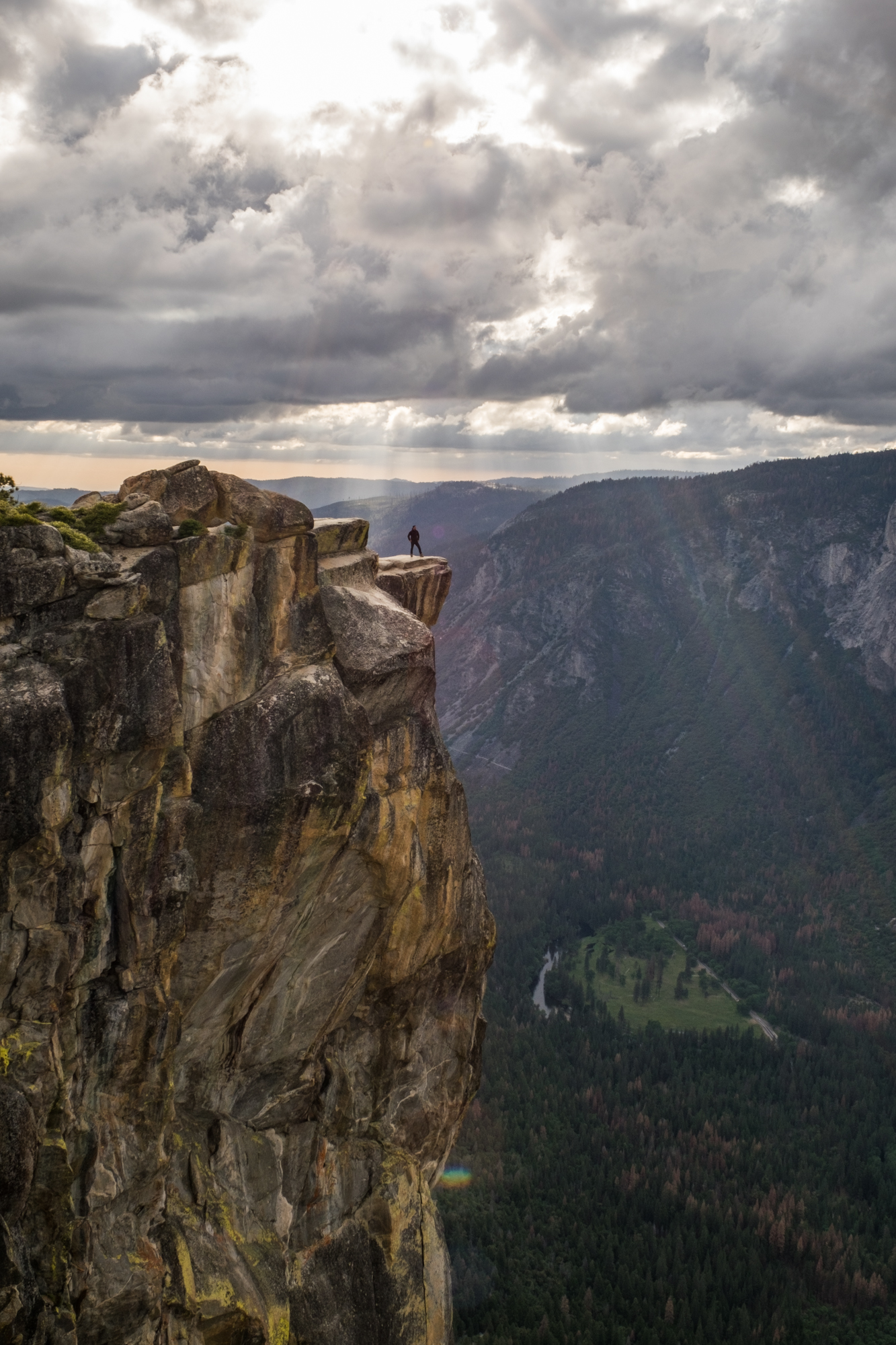 I love this photo. It really speaks to the grandeur of the area. Taft Point is an epic lookout.