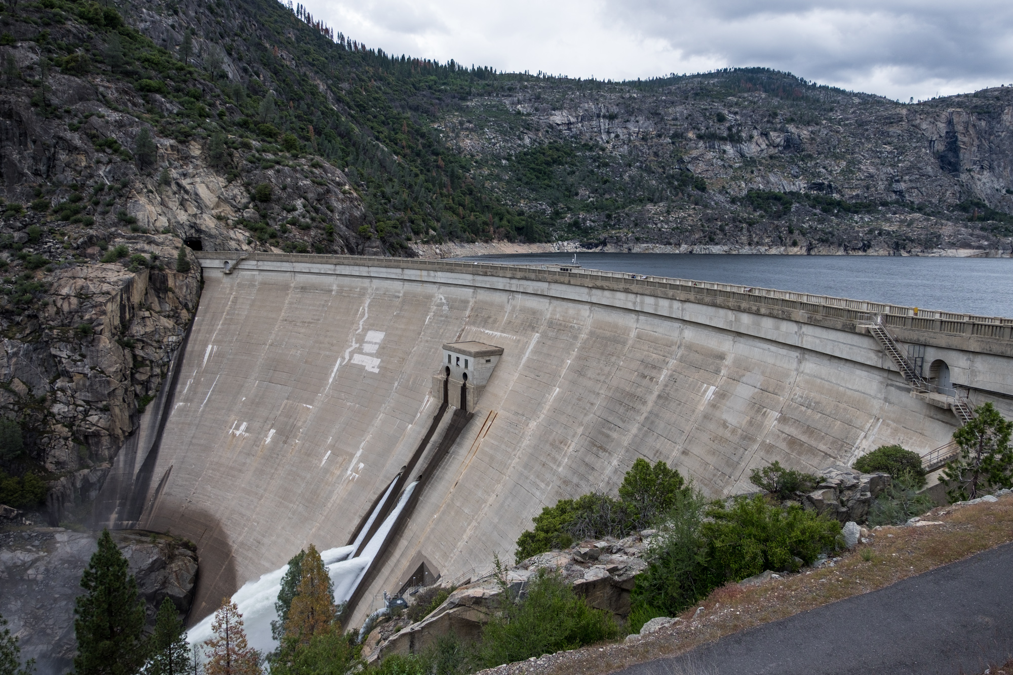 This is the dam that has flooded the Hetch Hetchy Valley for the city of San Francisco's water usage.