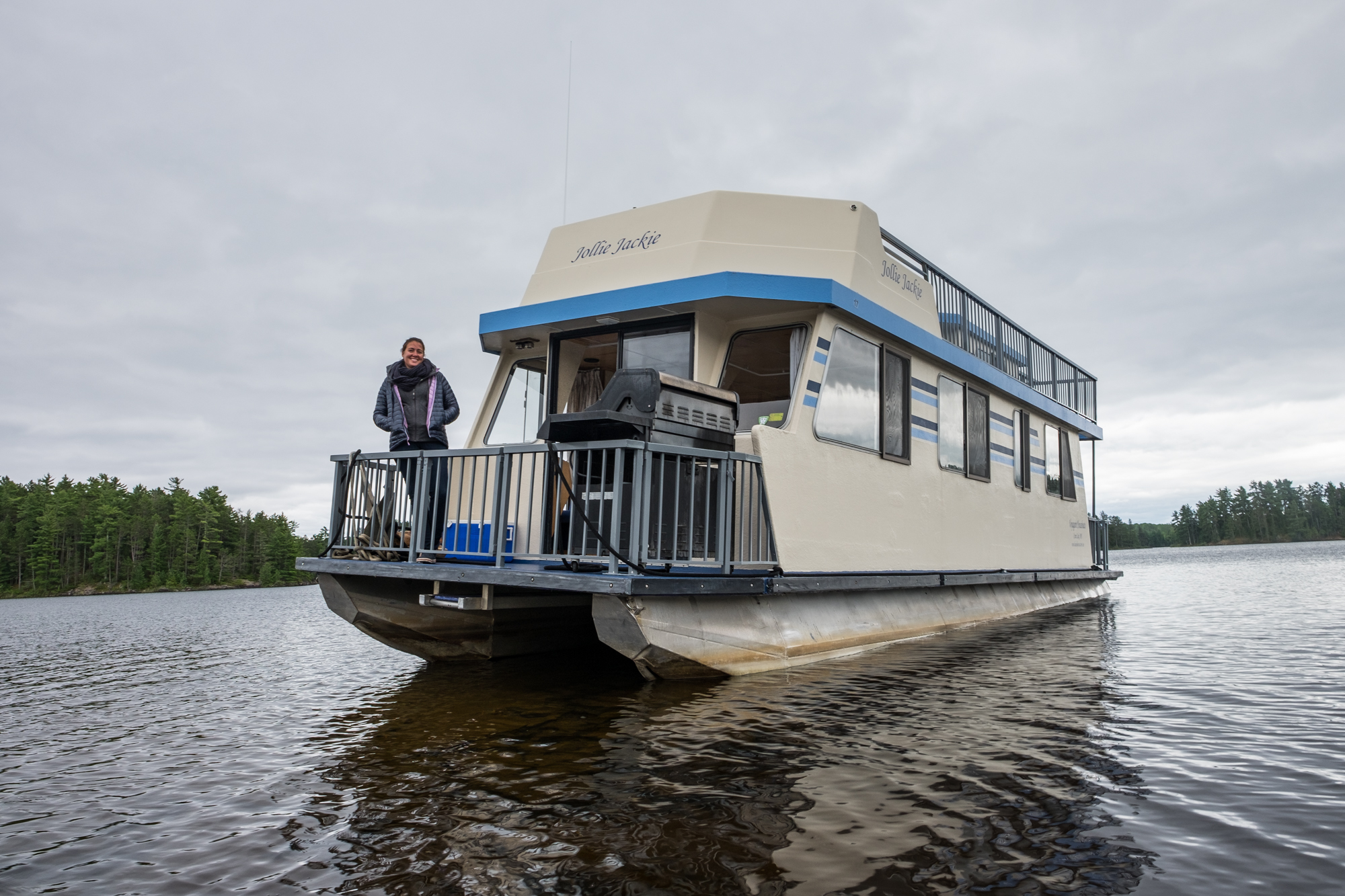 Notice the tilt of the houseboat? We ran into a little bit of an issue......
