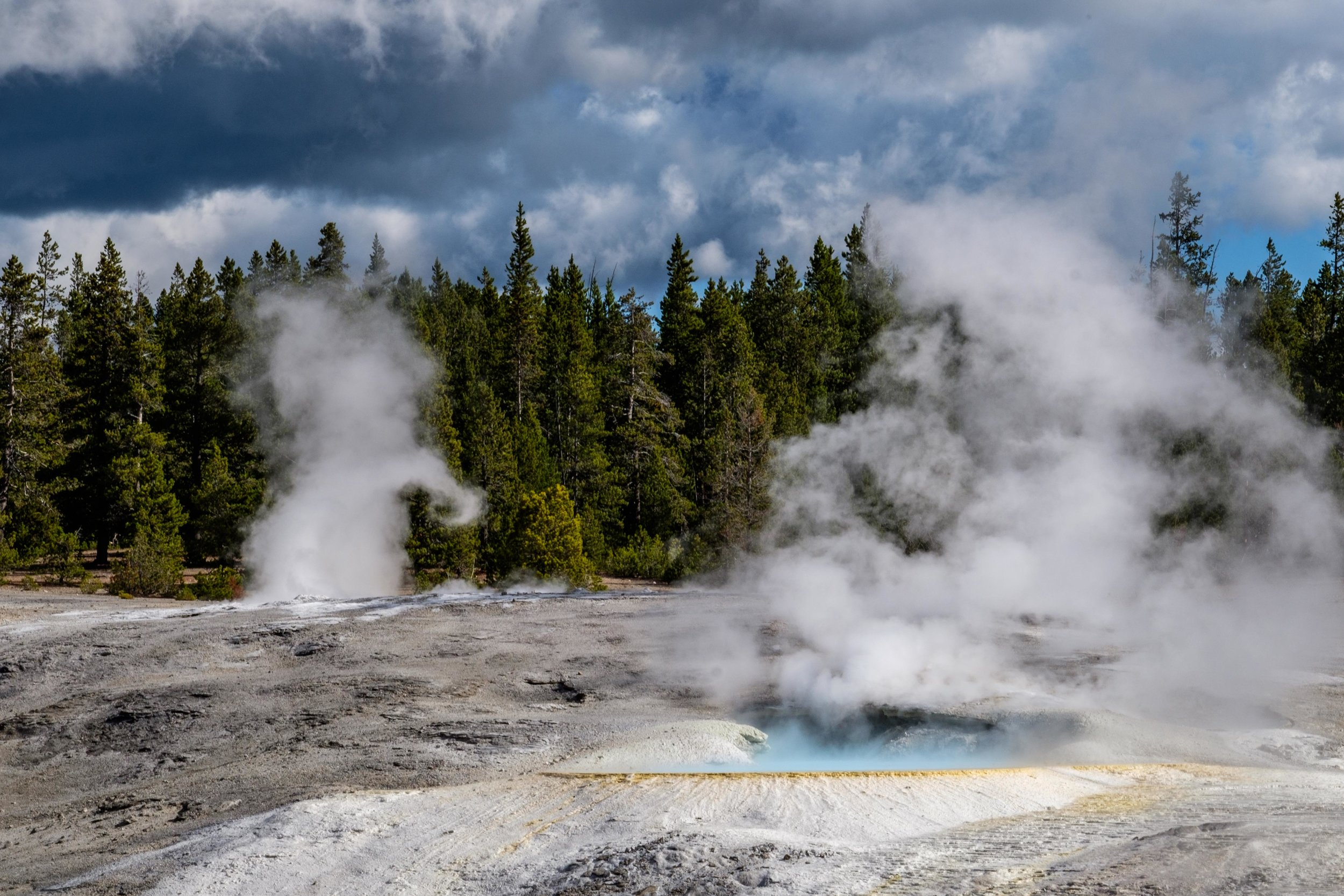 Yellowstone National Park - 012.jpg