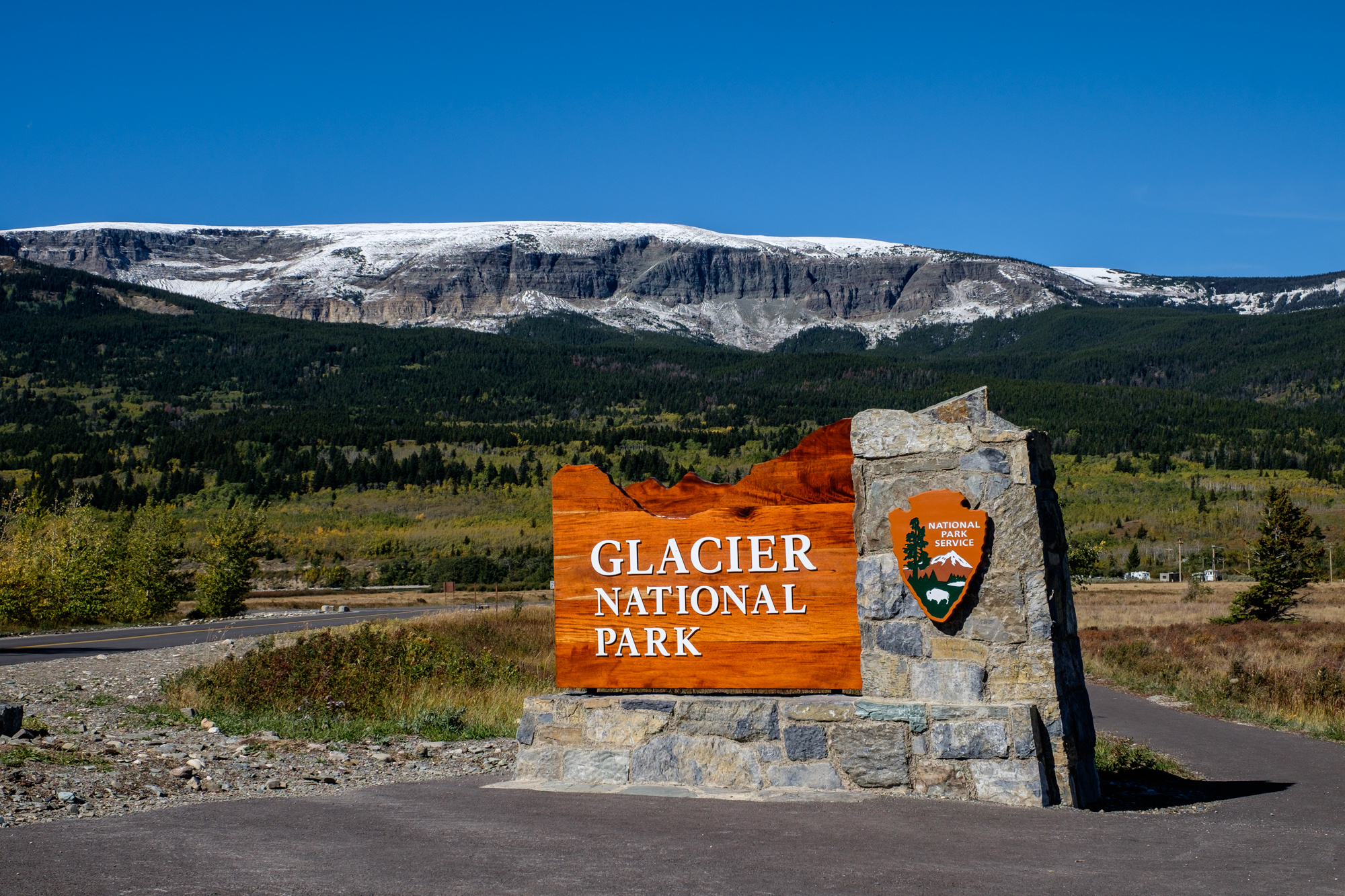 We arrived to Glacier National Park in late fall, with still enough time to enjoy the autumn leaves.