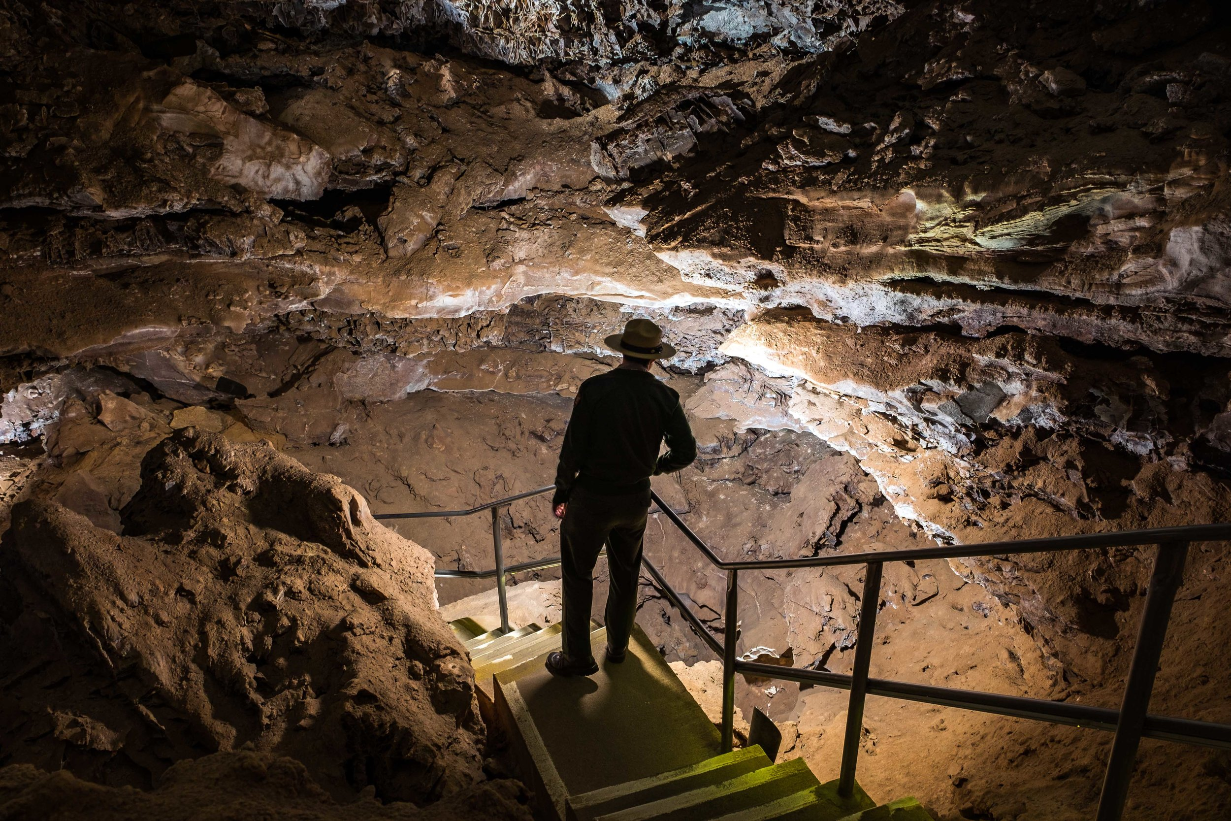 Down into the belly of Wind Cave.