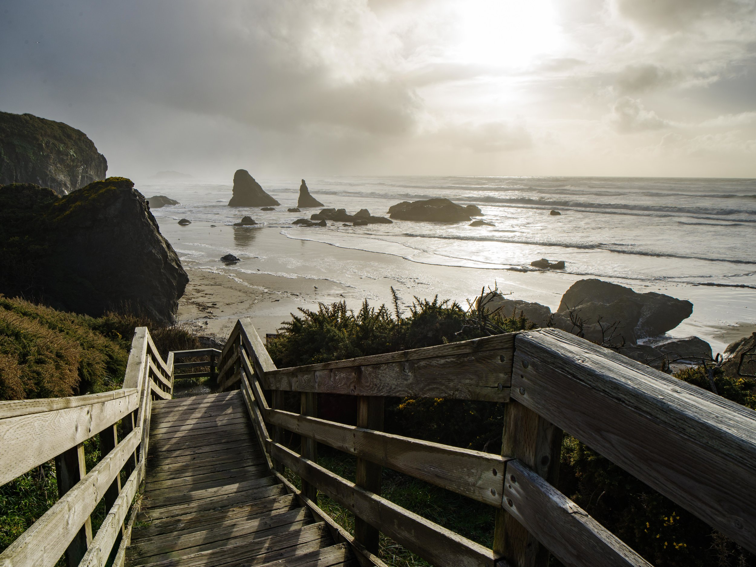 Walkway to Bandon Beach in Oregon from the parking lot | Photo by Jonathan Irish