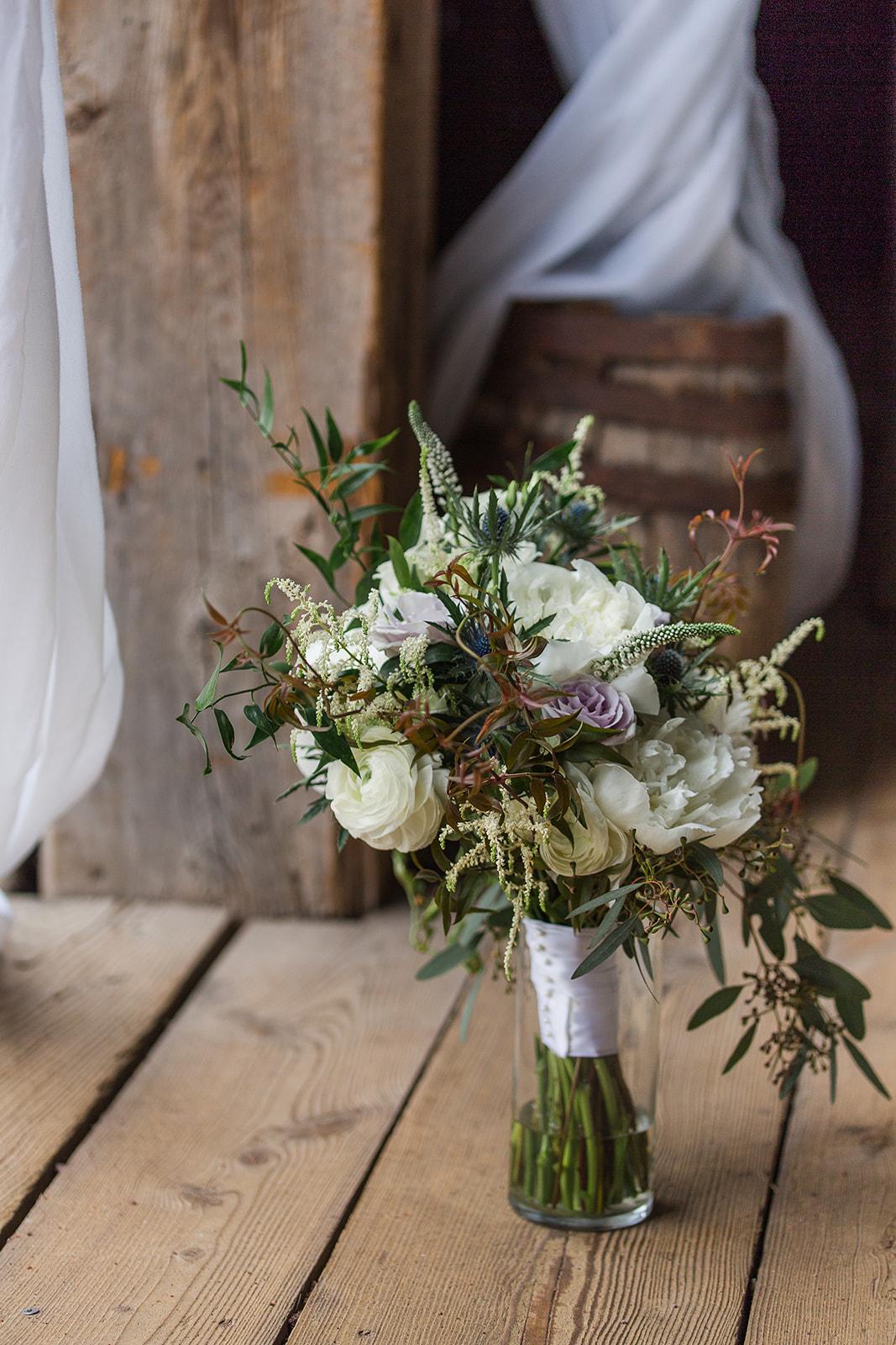 Southern Wisconsin Wedding Flowers.jpg