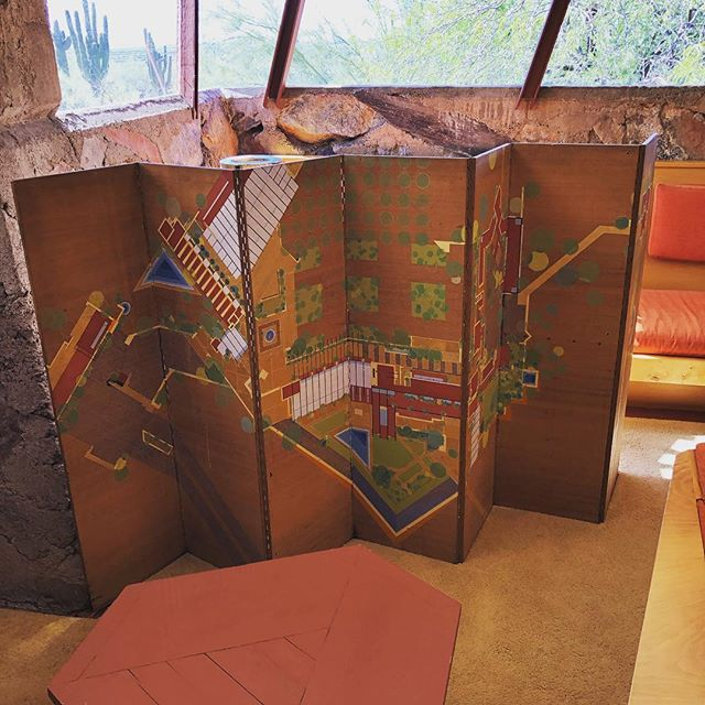 I wonder how many people walk through the Wright's living room at Taliesin West and don't realize this folding screen is a plan view of the property. #taliesinwest #franklloydwright #architecture #arizona