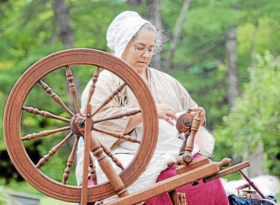 18th Century Spinning Demonstration