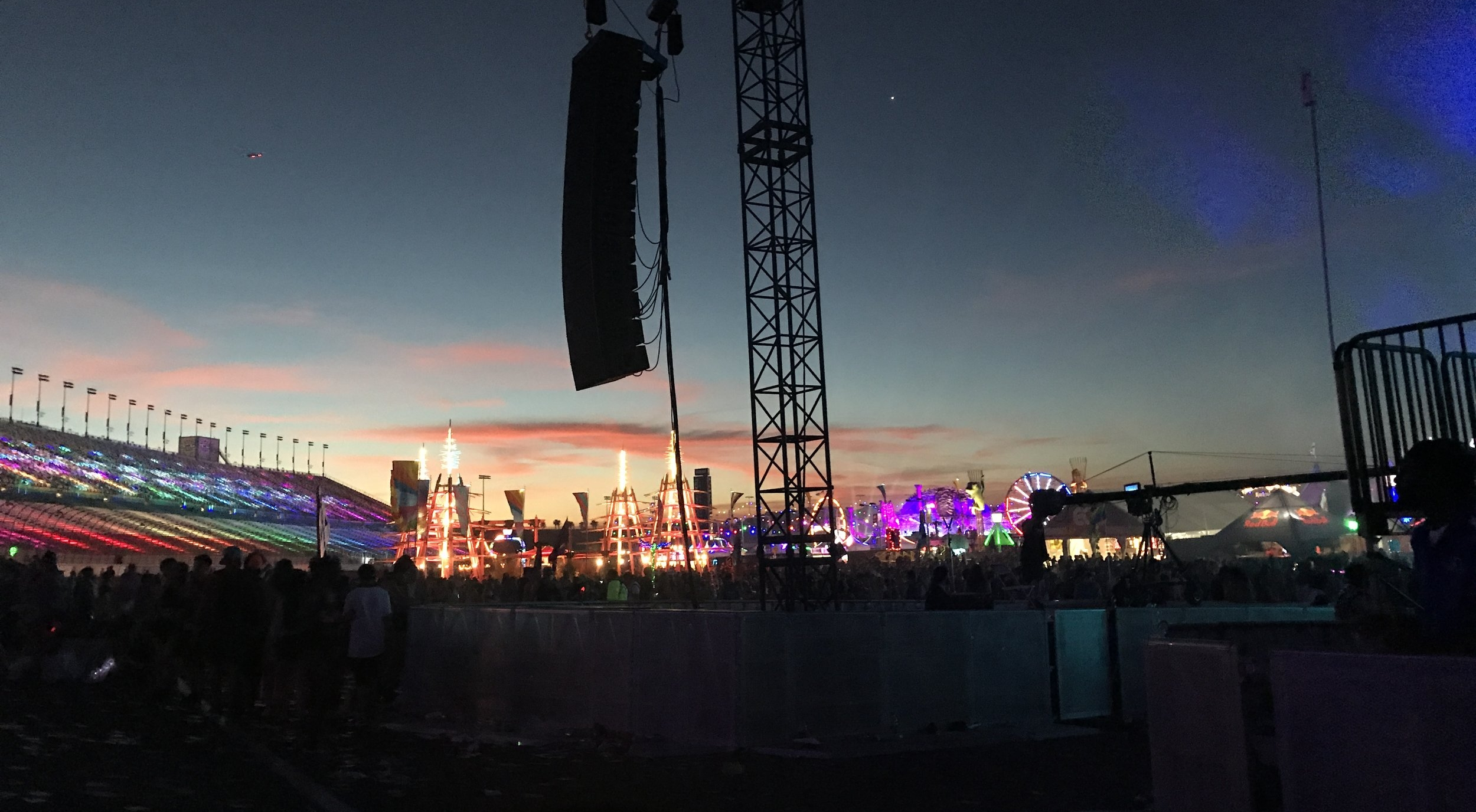 Tips From Our First EDC Las Vegas Experience - sunrise