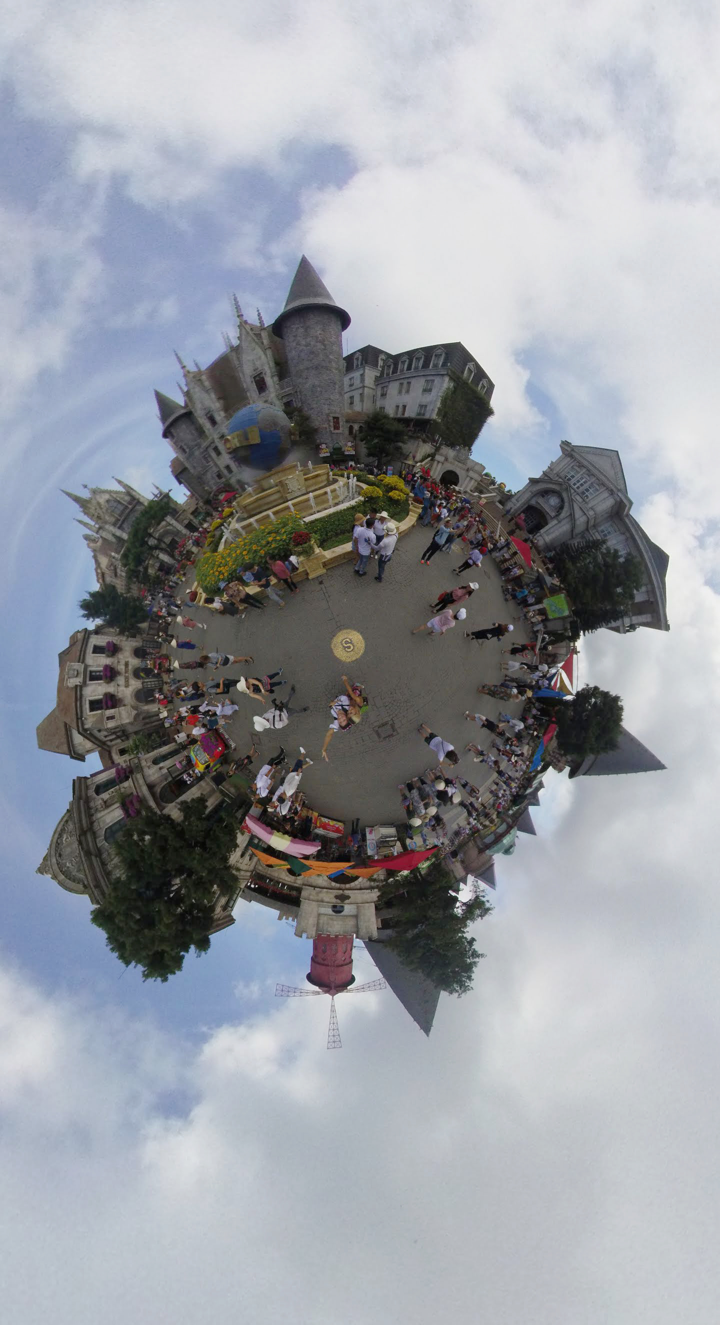 French Quarters 360.jpg