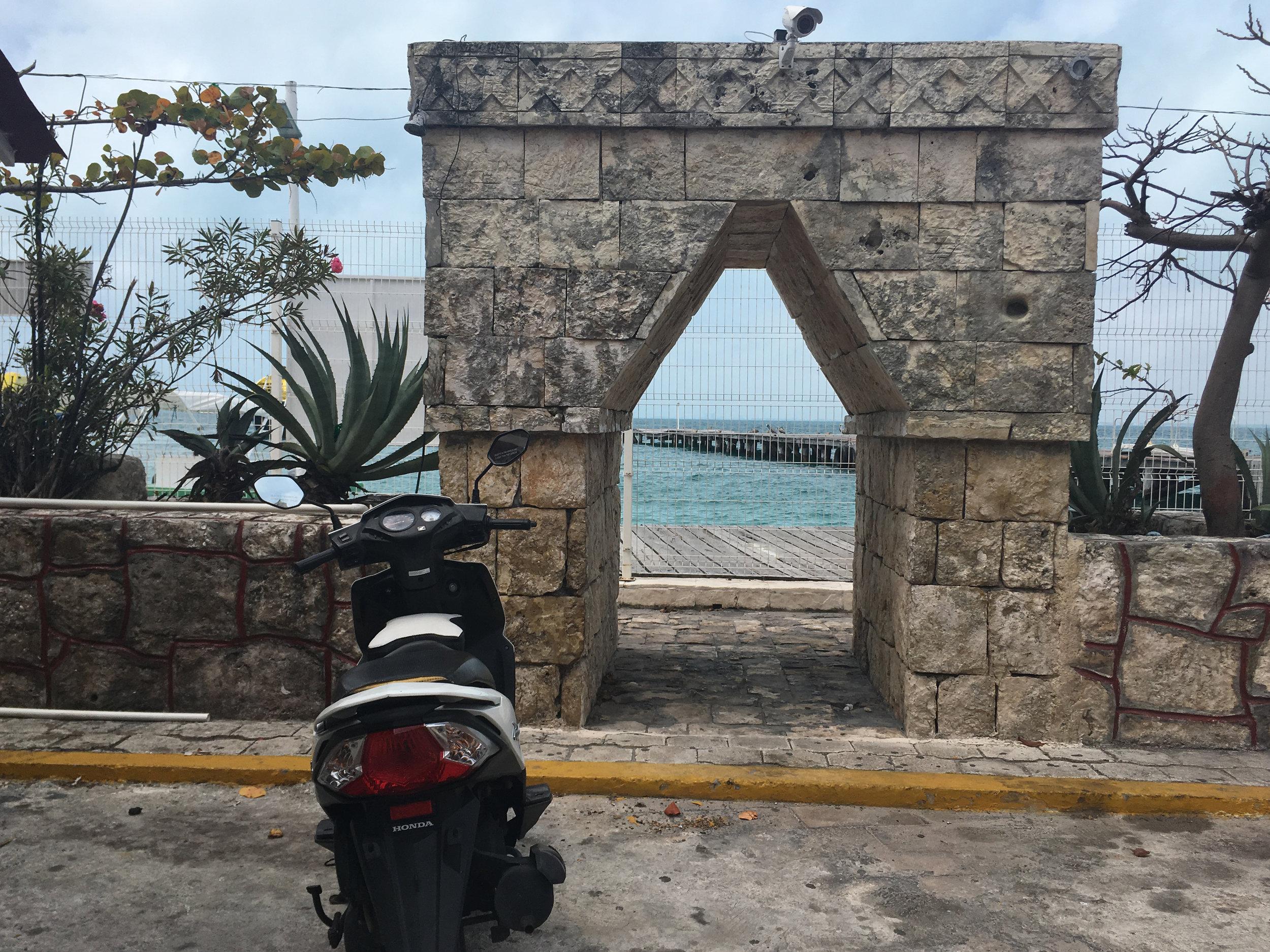 Isla Mujeres Mini Arch.JPG