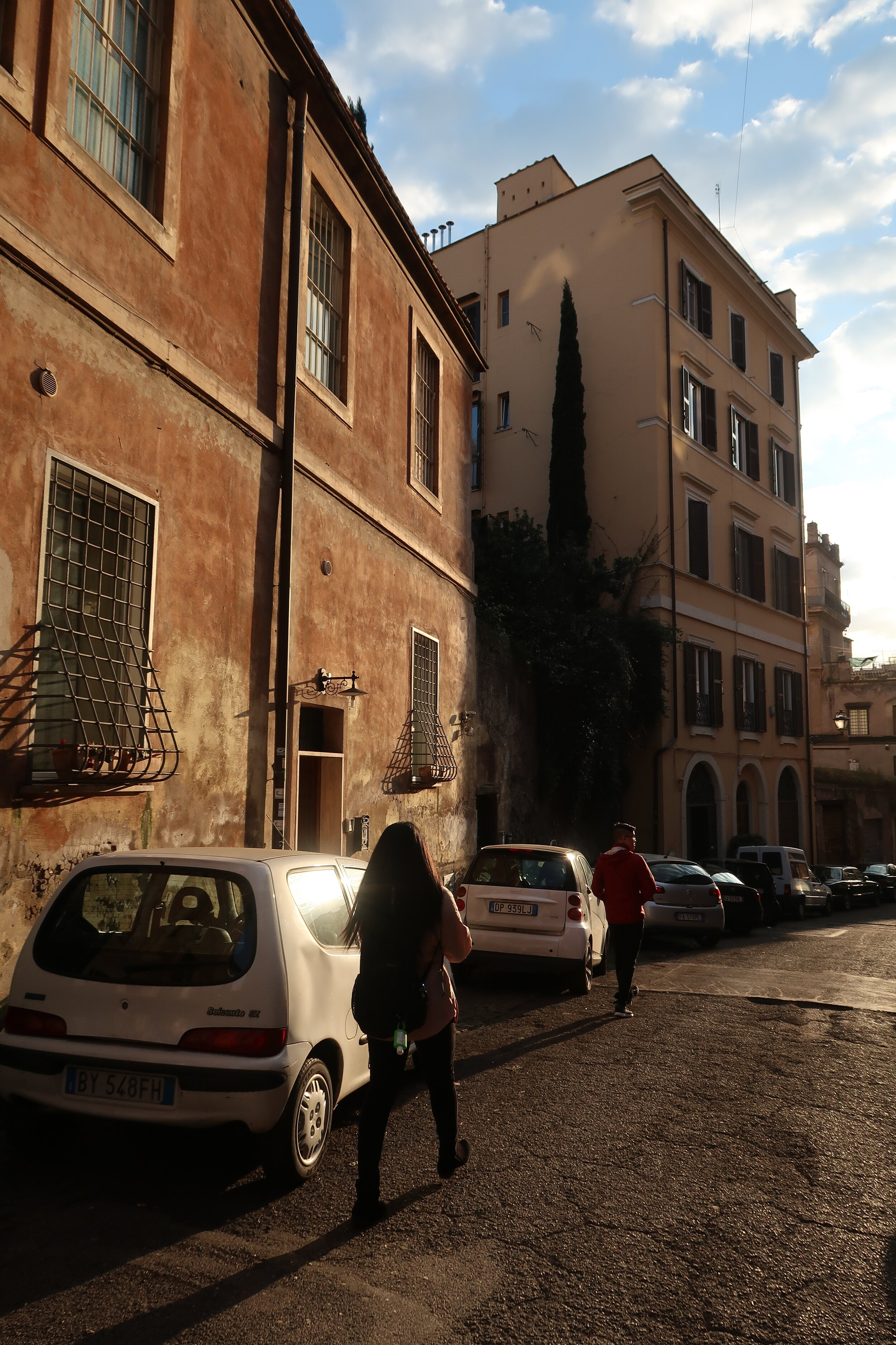 Alleyway in Rome.JPG
