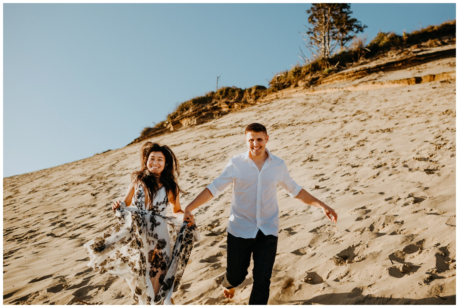 cape_kiwanda_beach_engagement_shoot_0064.jpg