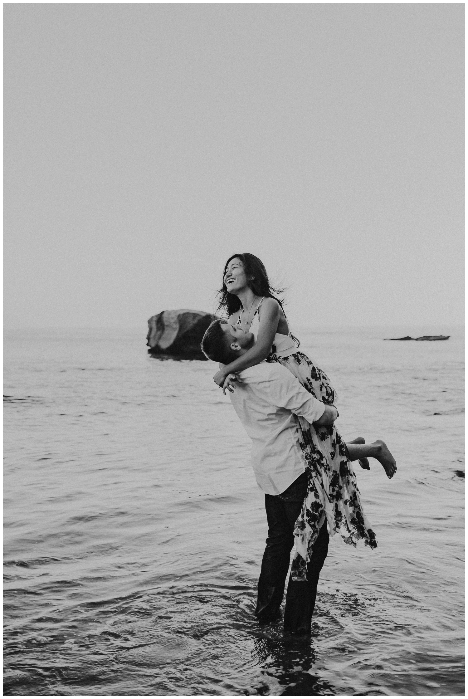 cape_kiwanda_beach_engagement_shoot_0071.jpg