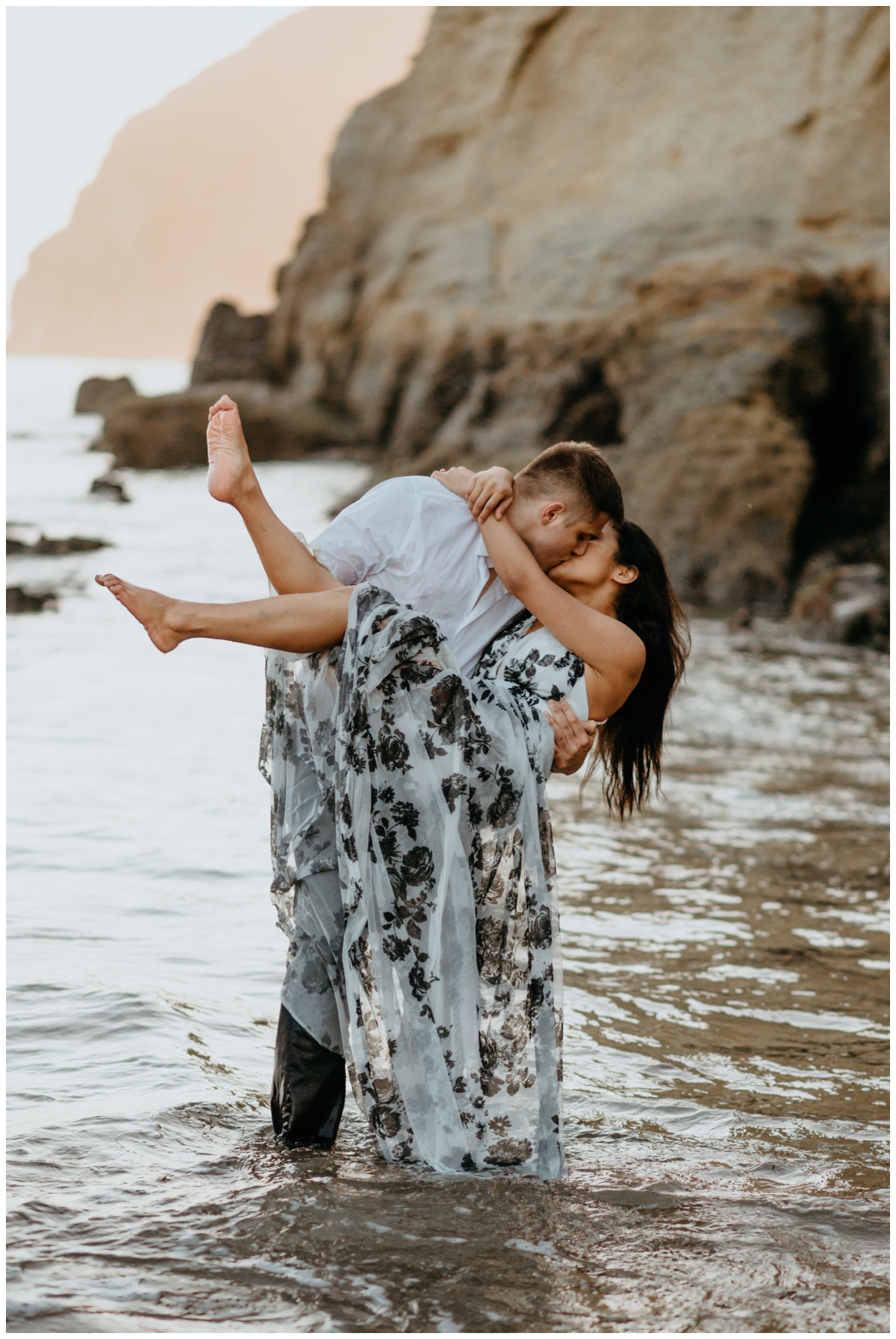 cape_kiwanda_beach_engagement_shoot_0079.jpg