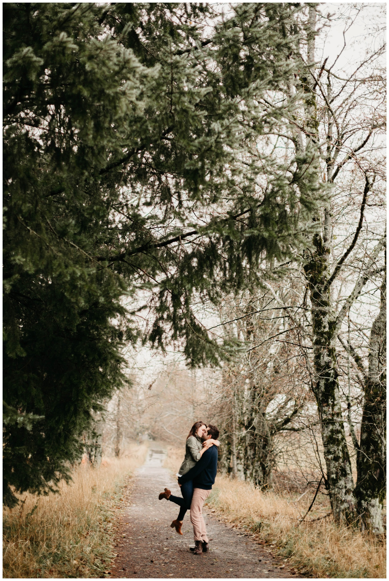 columbia_river_gorge_jasminejphotography_cape_horn_engagement_session_0017.jpg