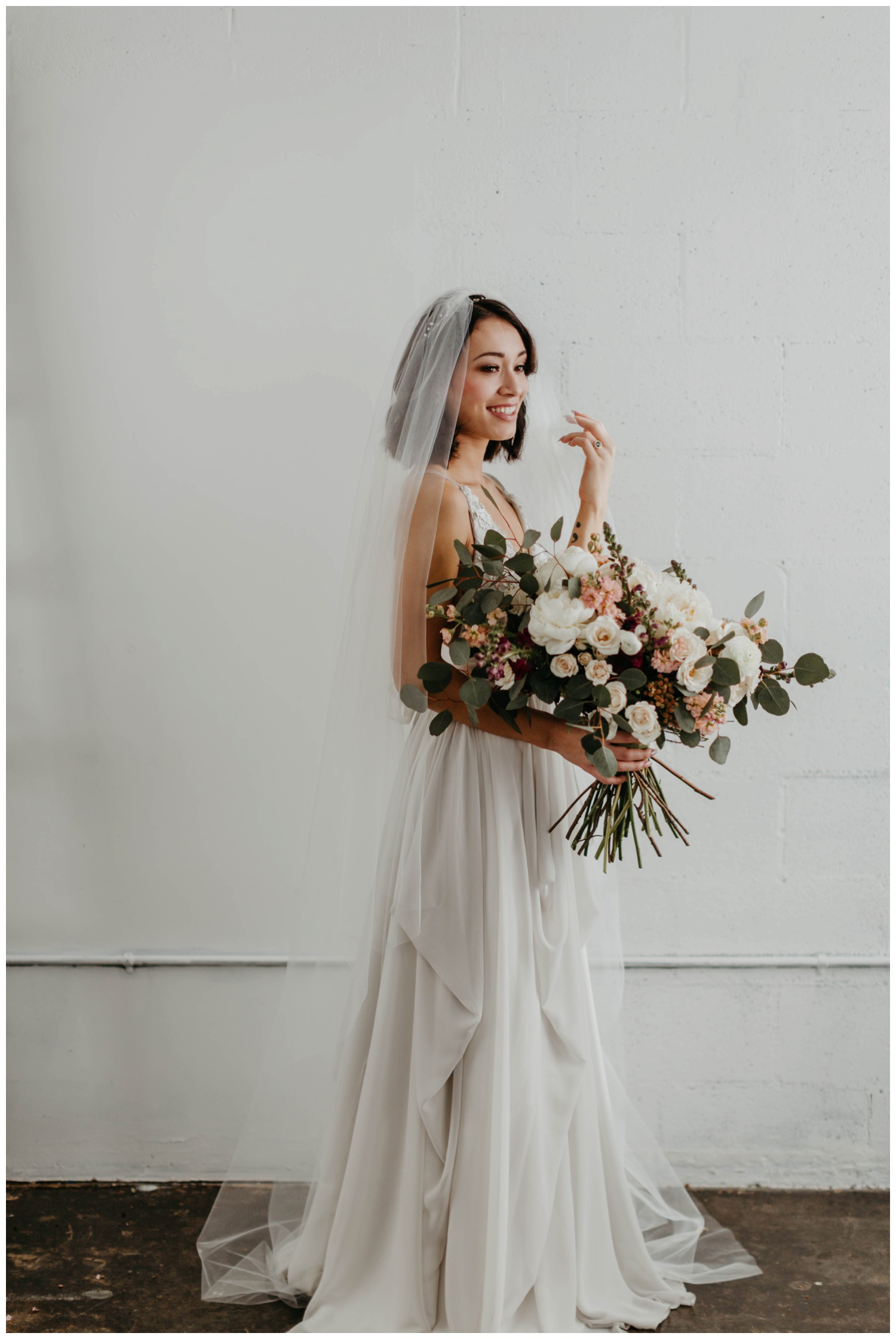portland_studio_bridal_shoot_truvelle_alexandra_0022.jpg