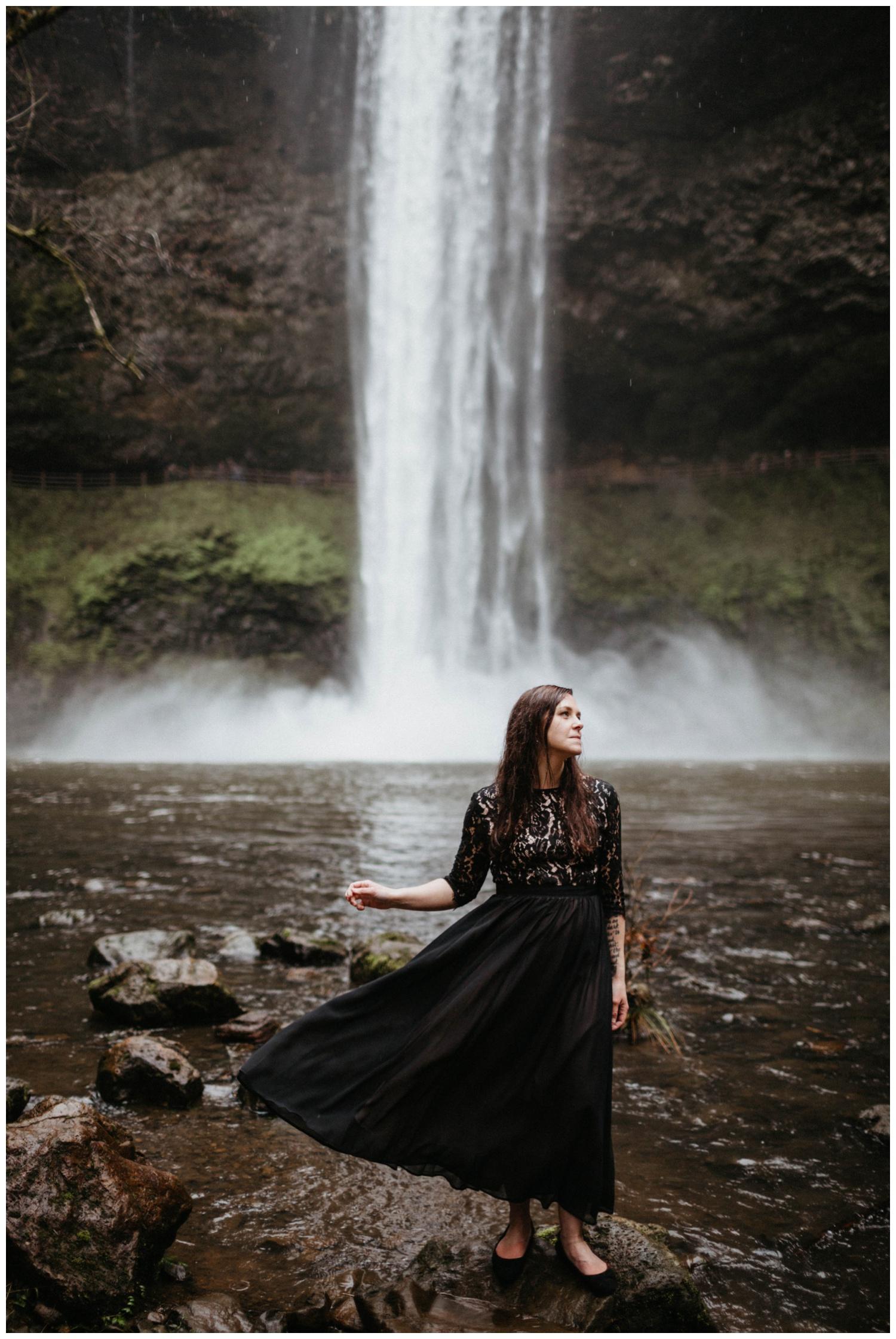 jasminejphotography_silver_falls_anniversary_0026.jpg
