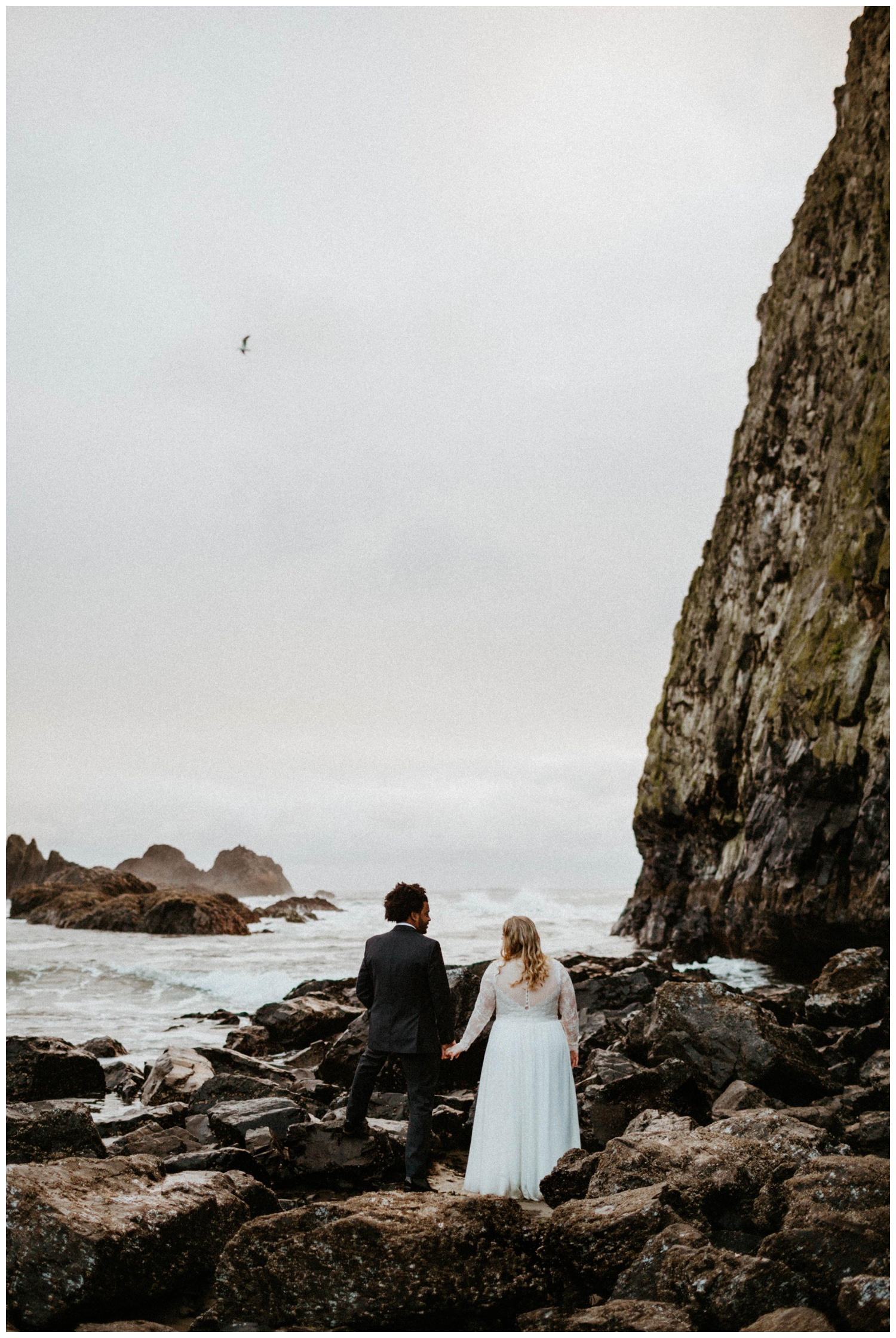 seal-rock-newport-elopement-wedding_0032.jpg