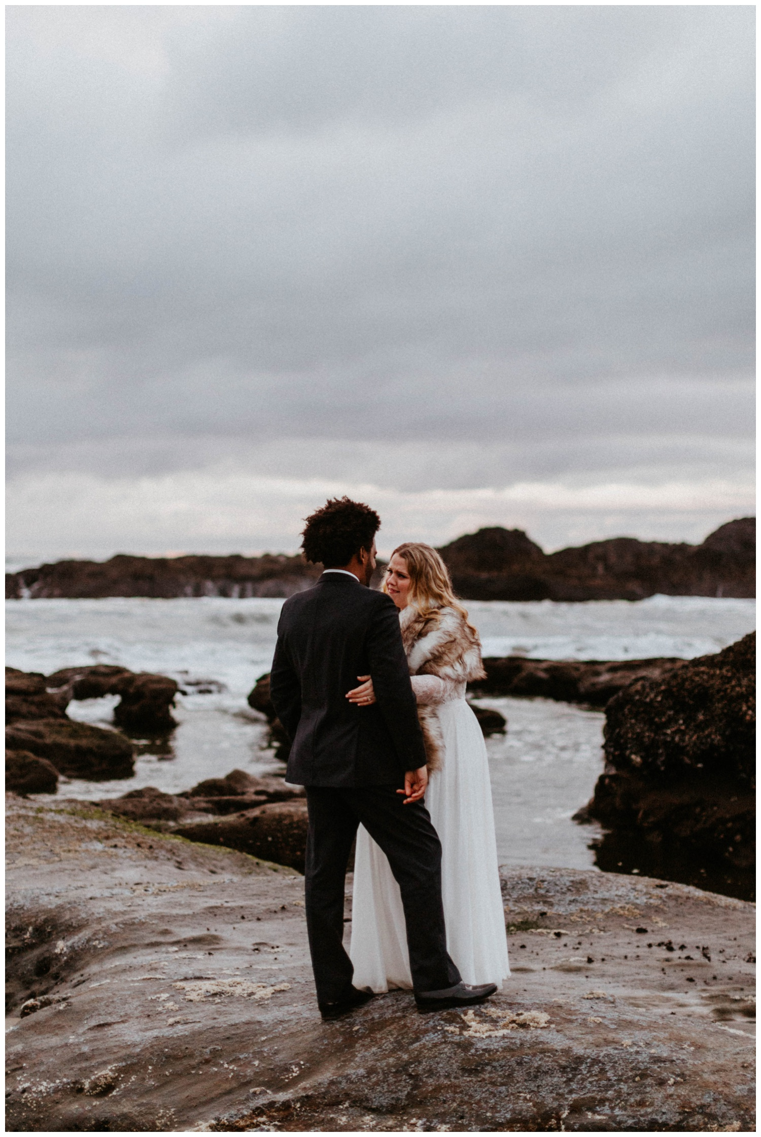 seal-rock-newport-elopement-wedding_0041.jpg