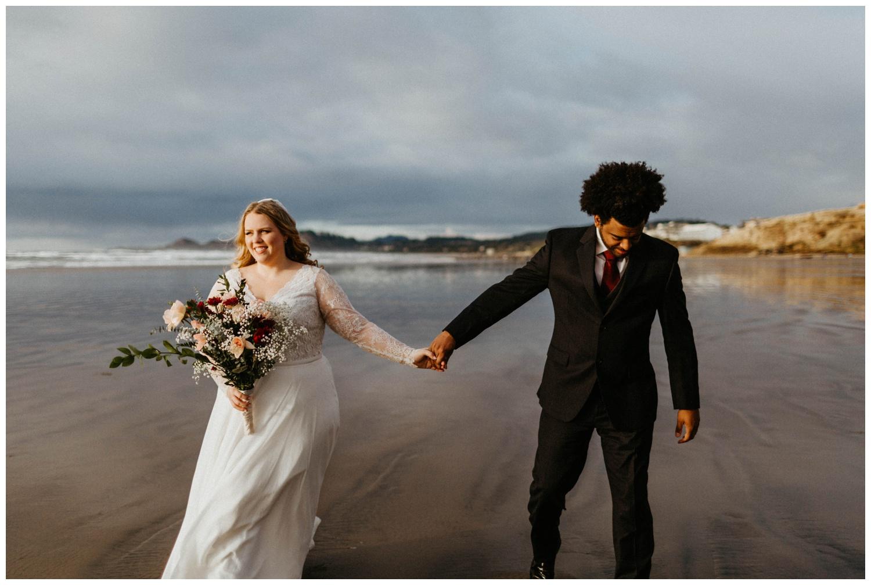 seal-rock-newport-elopement-wedding_0013.jpg