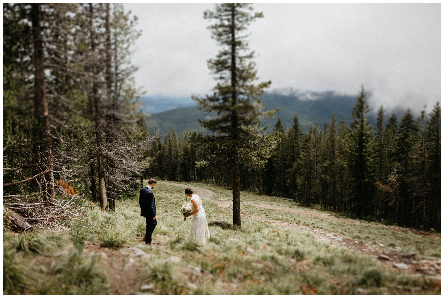 jasmine-j-photography-mt-hood-skibowl-wedding_0021.jpg