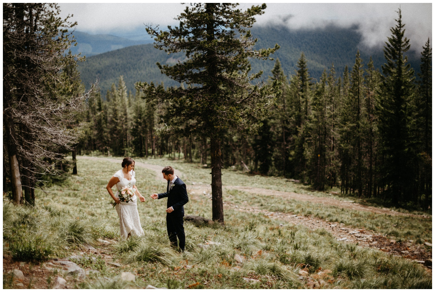 jasmine-j-photography-mt-hood-skibowl-wedding_0022.jpg