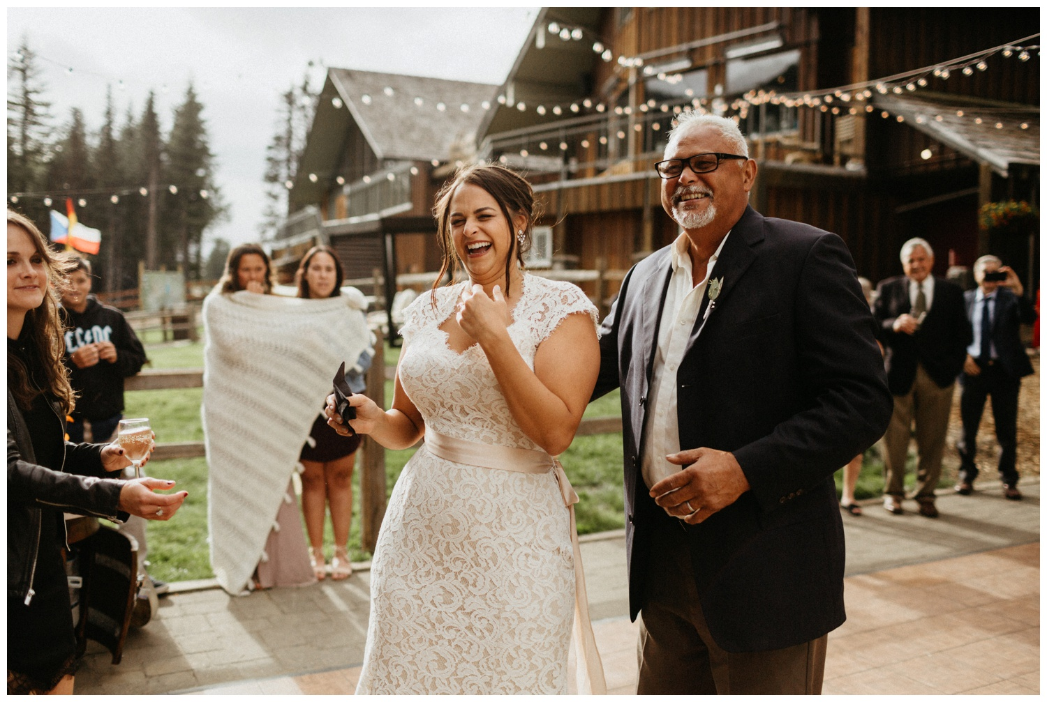 jasmine-j-photography-mt-hood-skibowl-wedding_0104.jpg
