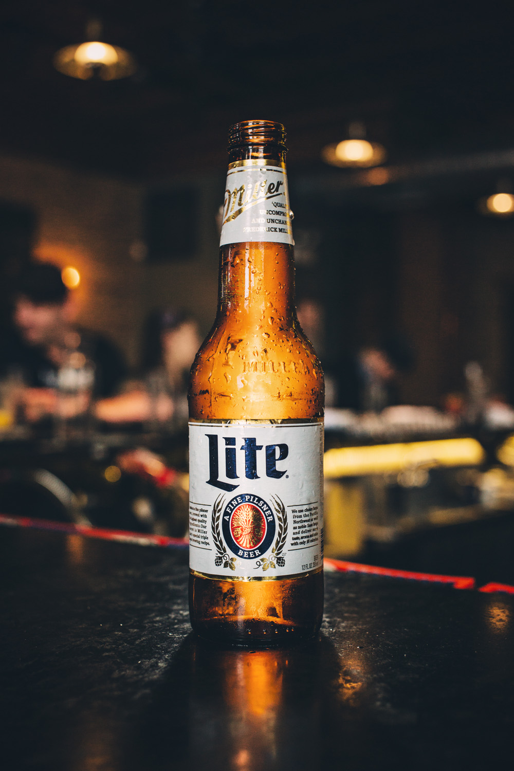 CommercialMillerLite_BarBottle_0095.jpg
