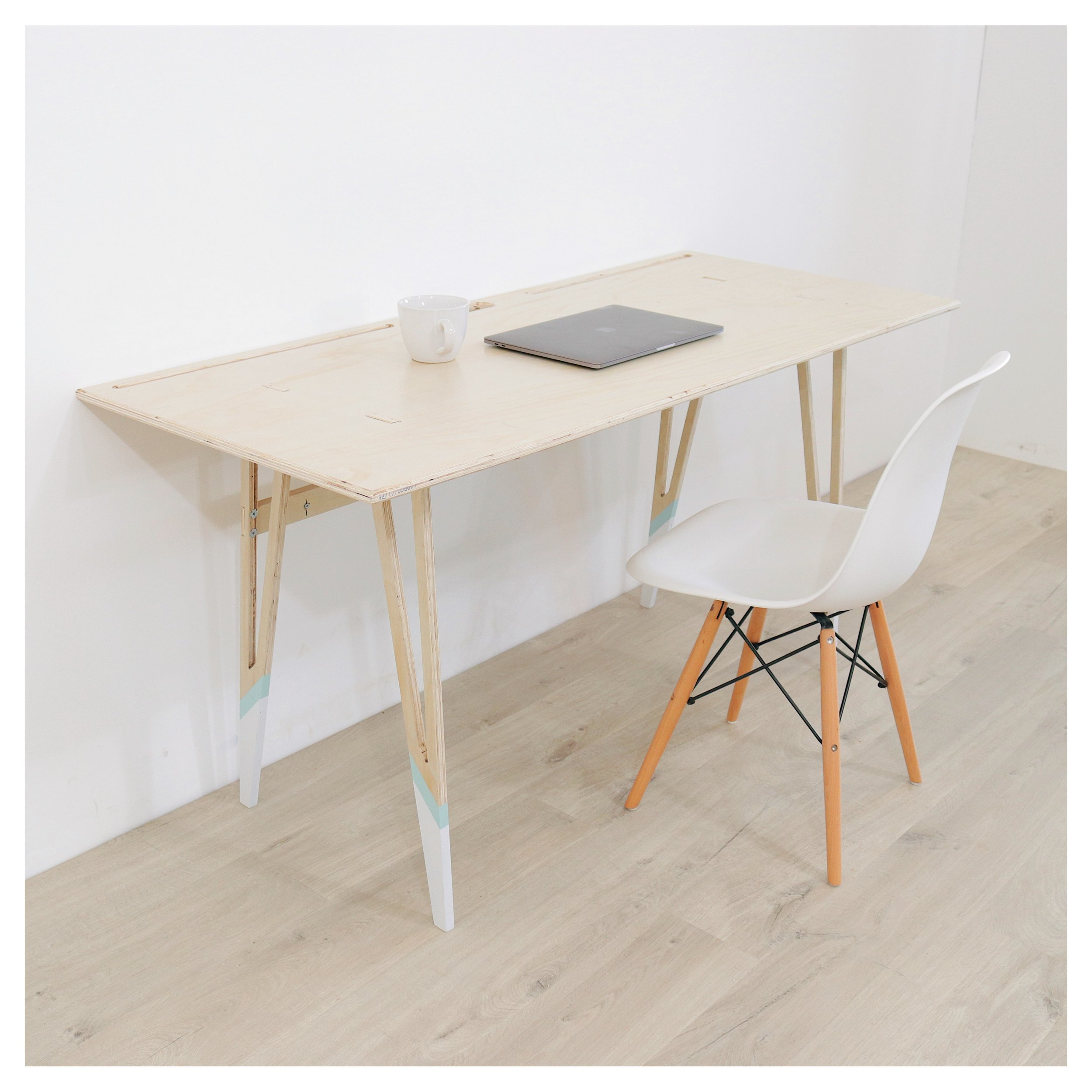 DIY PORTABLE PLYWOOD DESK