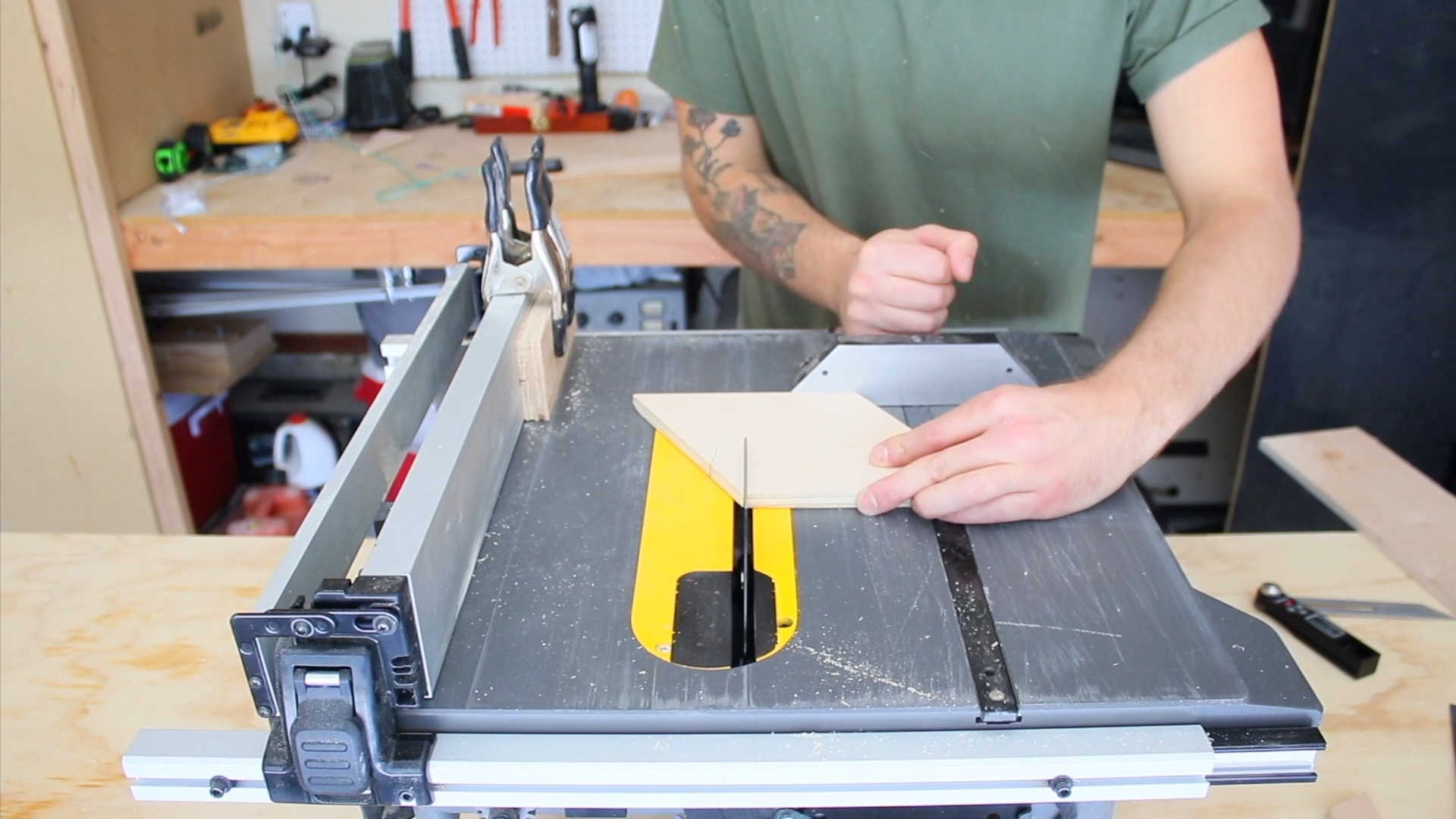 Cutting Plywood Floors   Mike Montgomery Modern Builds
