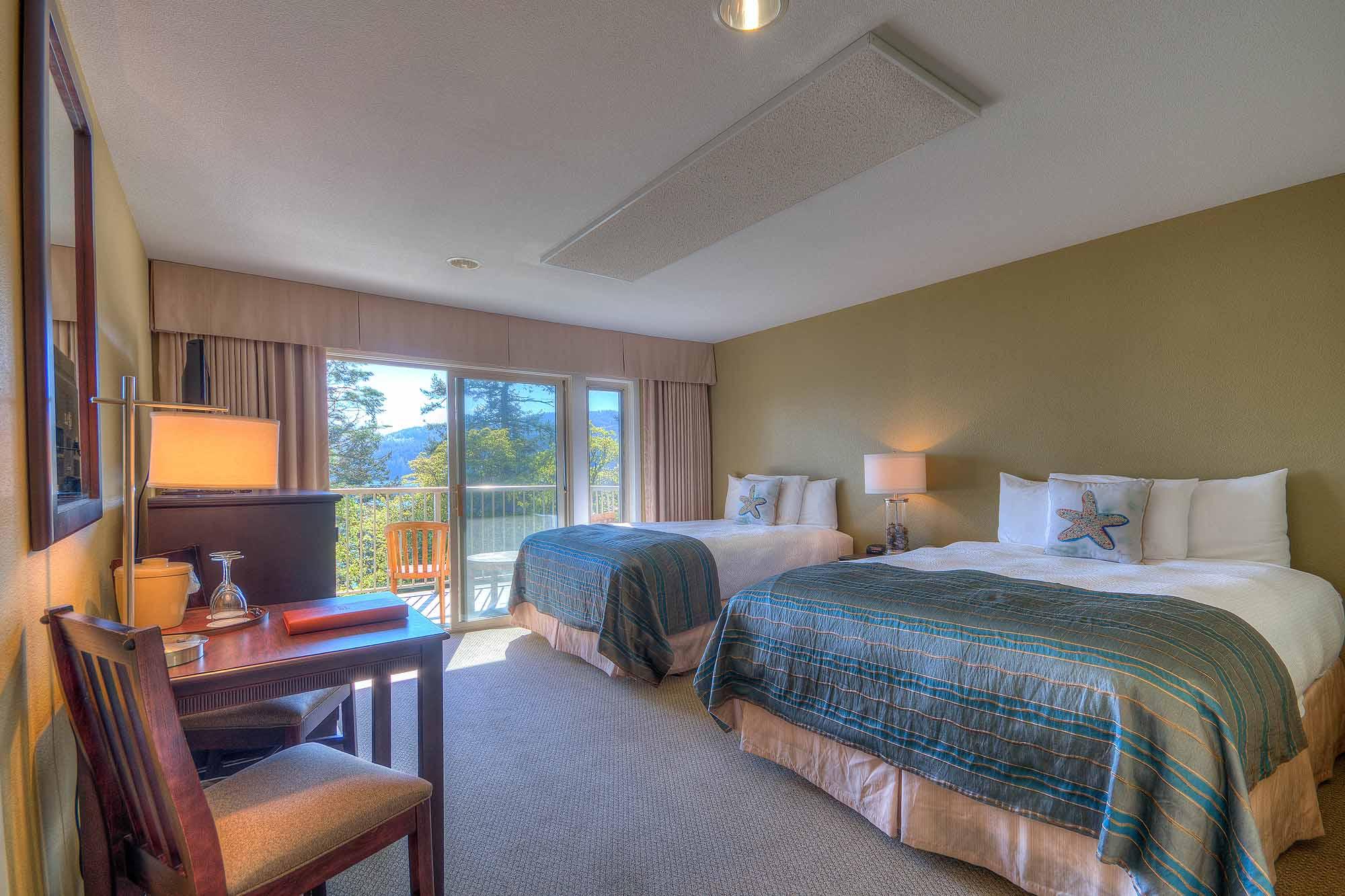 A_Hillside Queen Bed (30 of 32).jpg