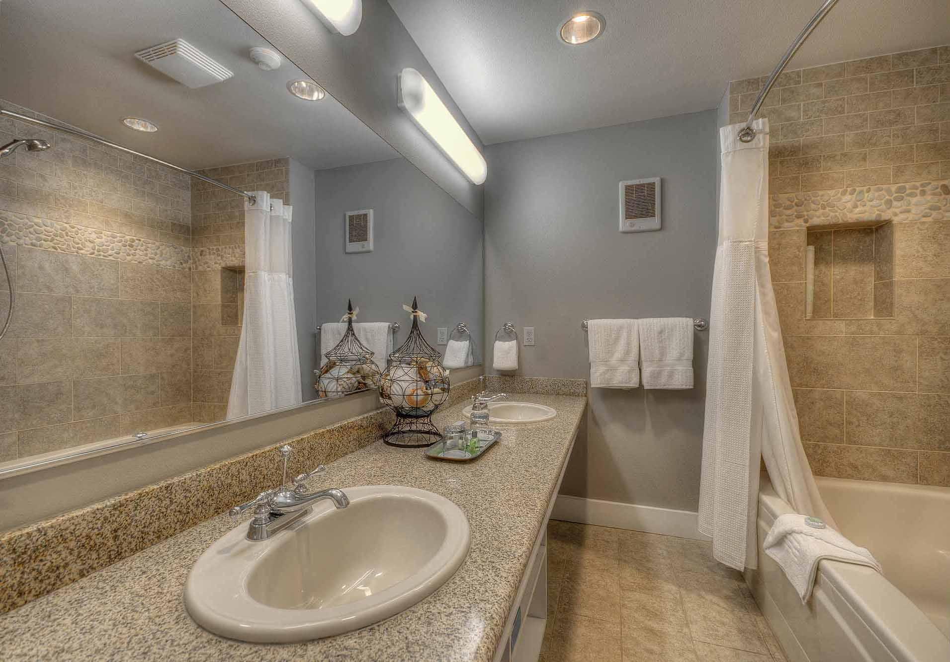 E_Hillside 2 King Suite Bath (9 of 32).jpg