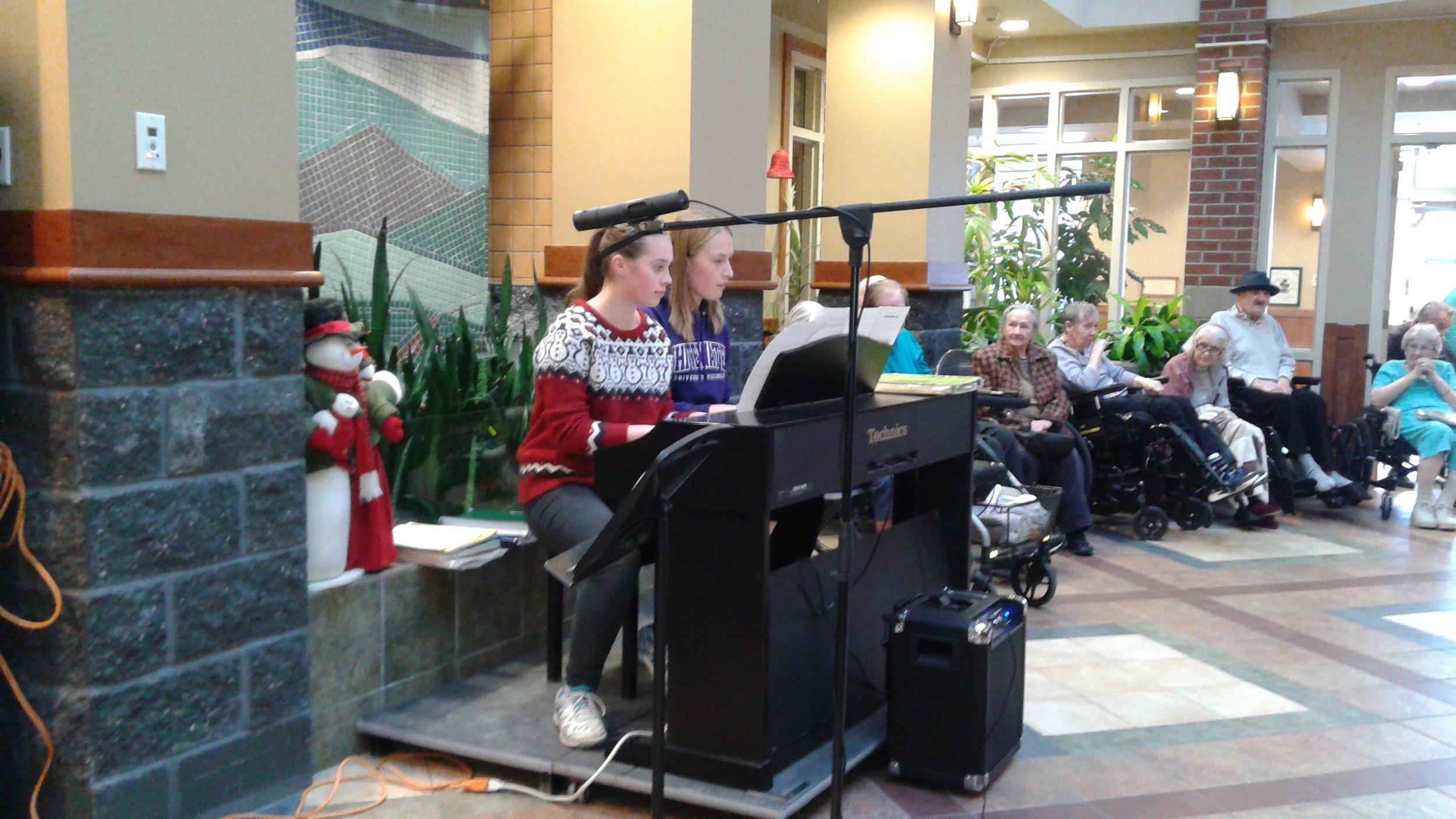 Christmas Piano Duet