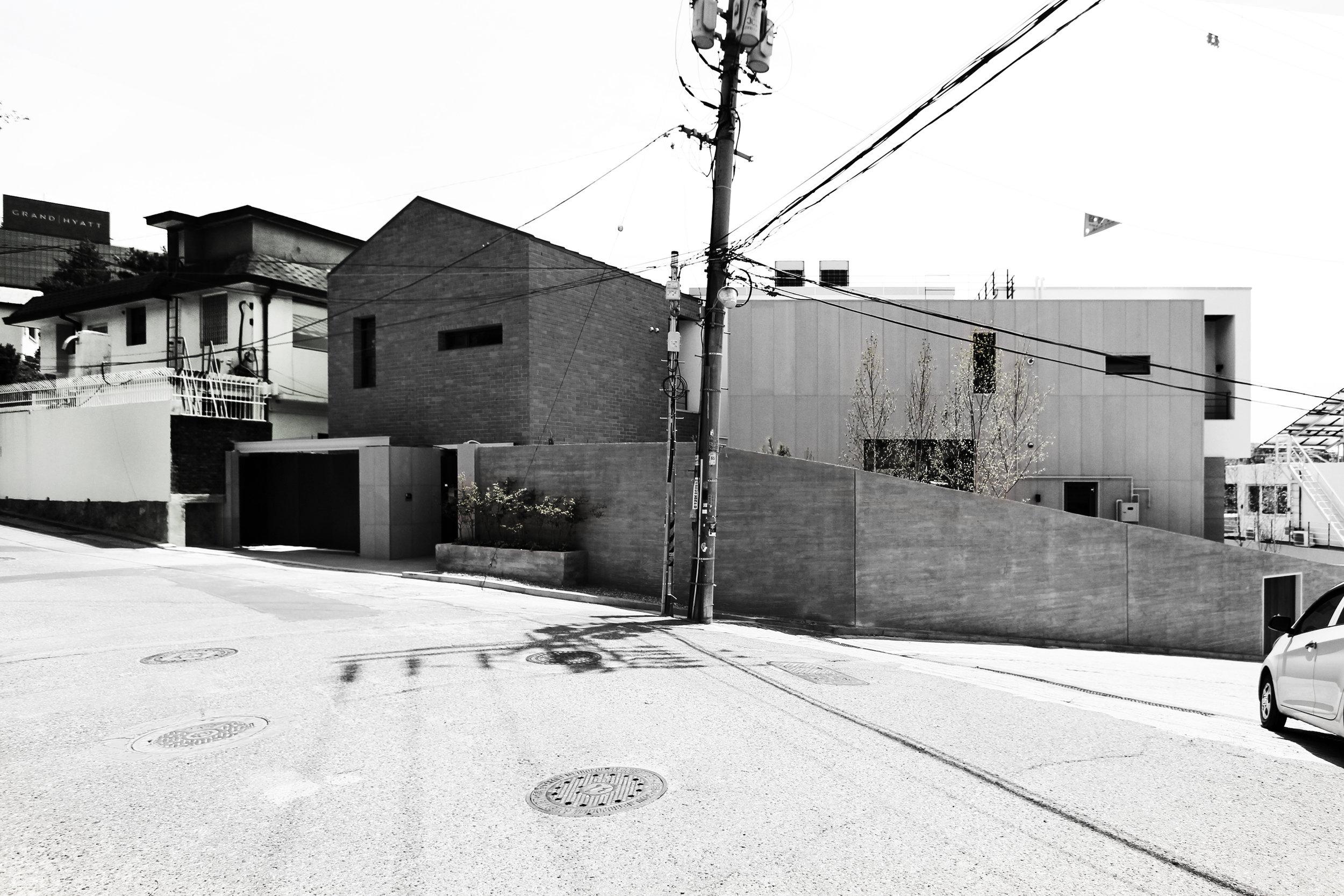 ITAEWON HOUSE 2 -