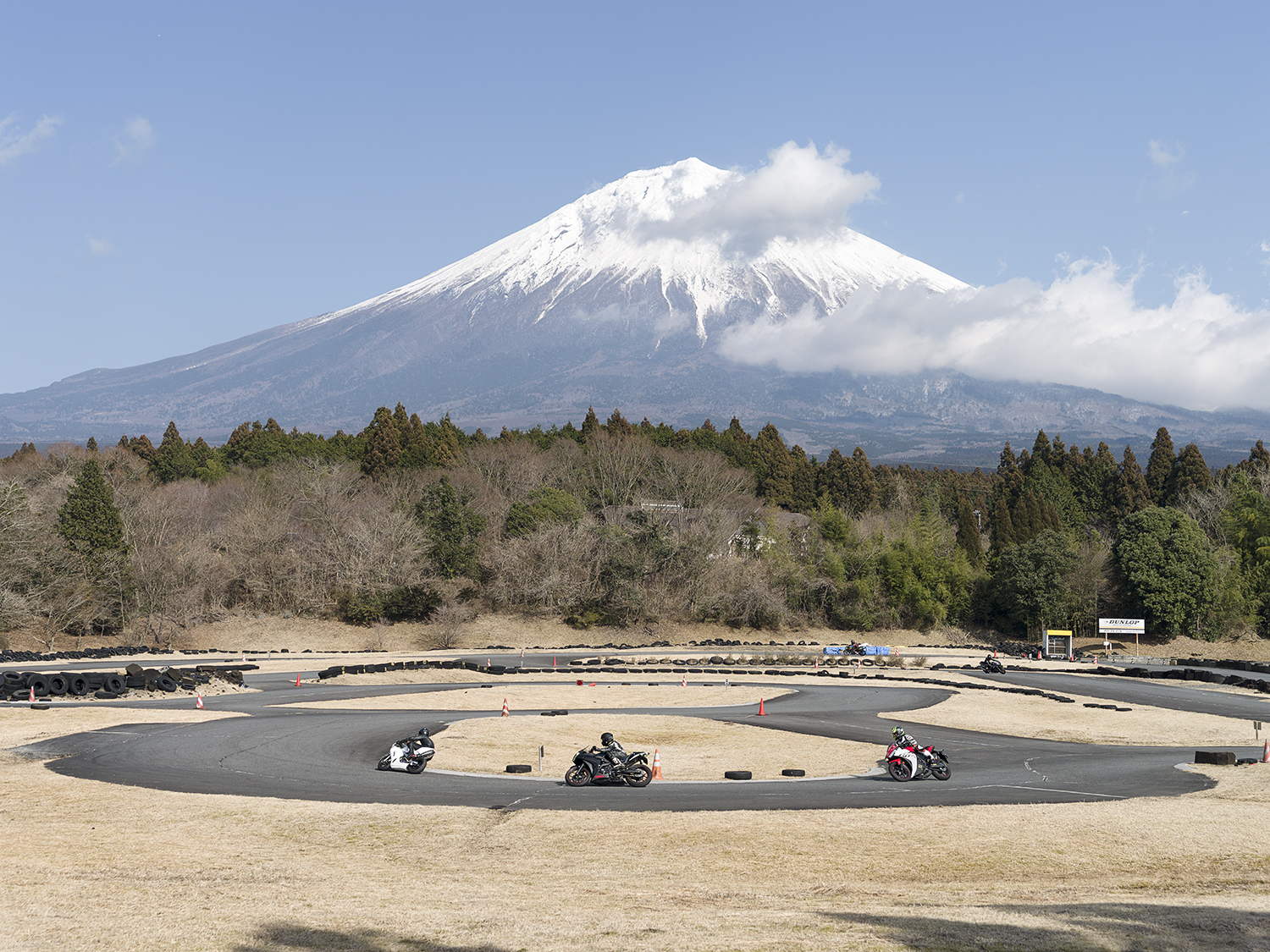 3_Thirty-Six Views of Mount Fuji 22 (Akayaki, Kamiide).jpg