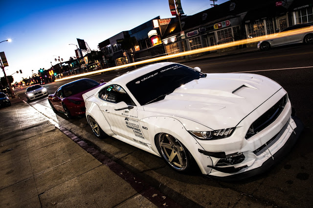2015-Ford-Mustang-GT-white-bd-21-20-inch-staggered-blaque-diamond-2.jpg