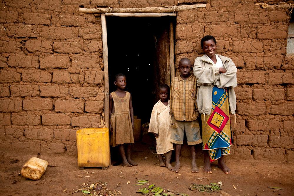 rwanda_april2010_nyabigugu_anise_55_esther_havens.jpg