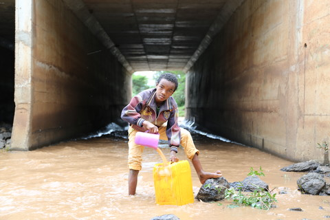 12-year-old Gobena Benti collects water from the river near Kilfo village.  IMAGE BY BEHAILU SHIFERAW/WATERAID.