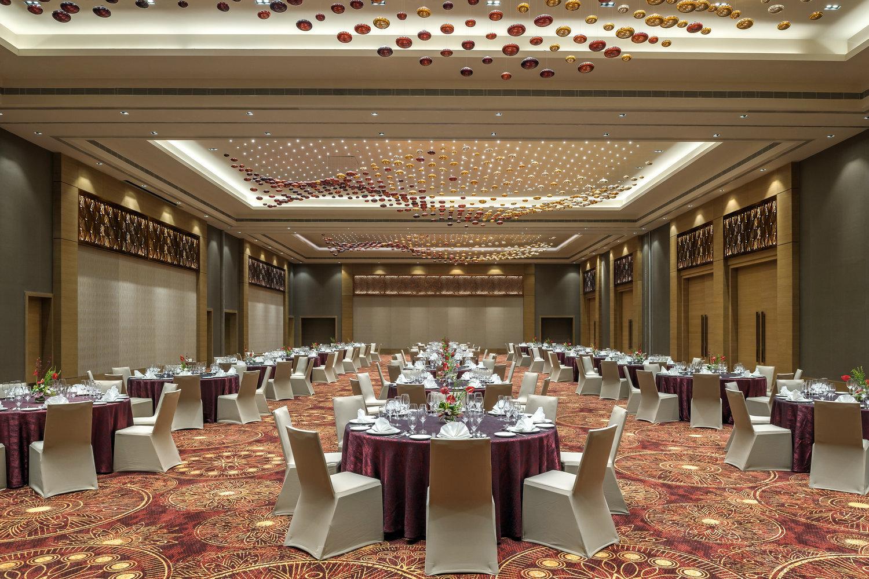 Cobico_+Feathers+Chennai_Carnation+Ballroom.jpg