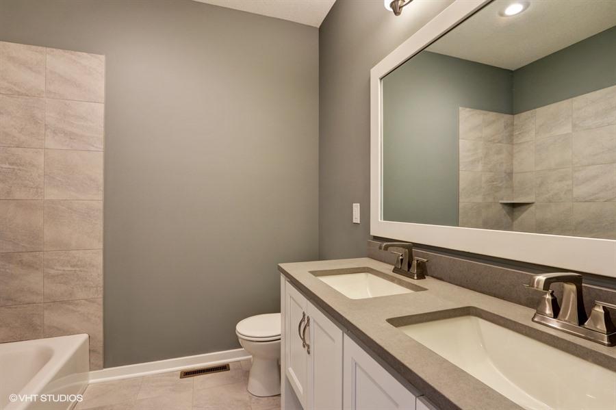 17_1743WindmillCt_8_Bathroom_LowRes.jpg
