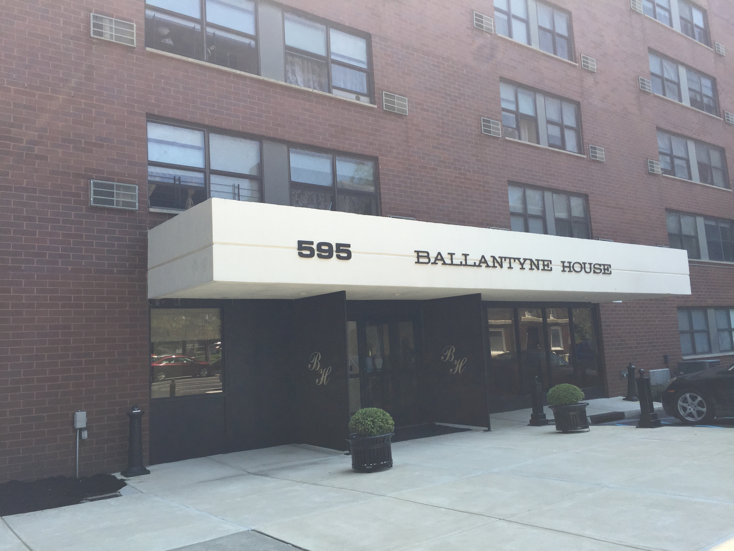 Ballantine House