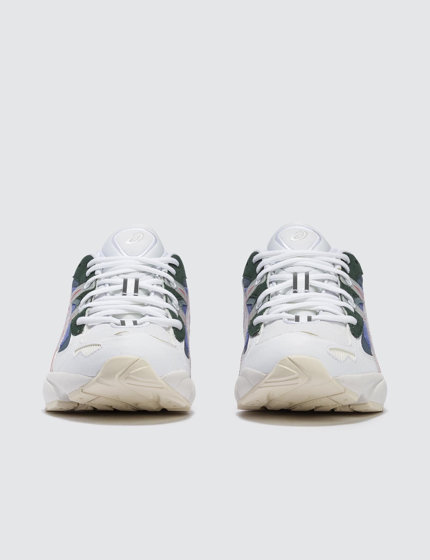 Shoes_1_3.jpg