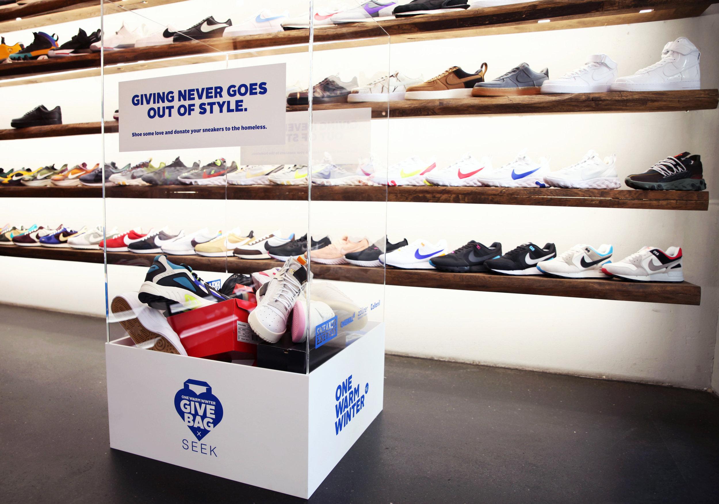 OWW_GiveBAG_SEEK_SneakerEdition_Box2.jpg