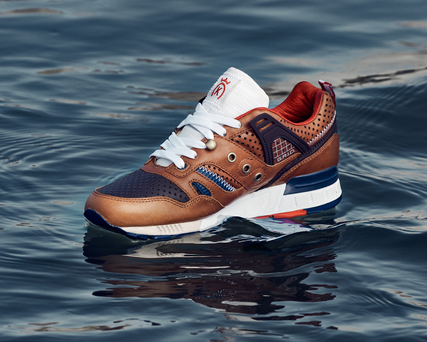 24KILATES-SAUCONY-LAVICTORIA-PRODUCTPICTURES1-4.jpg