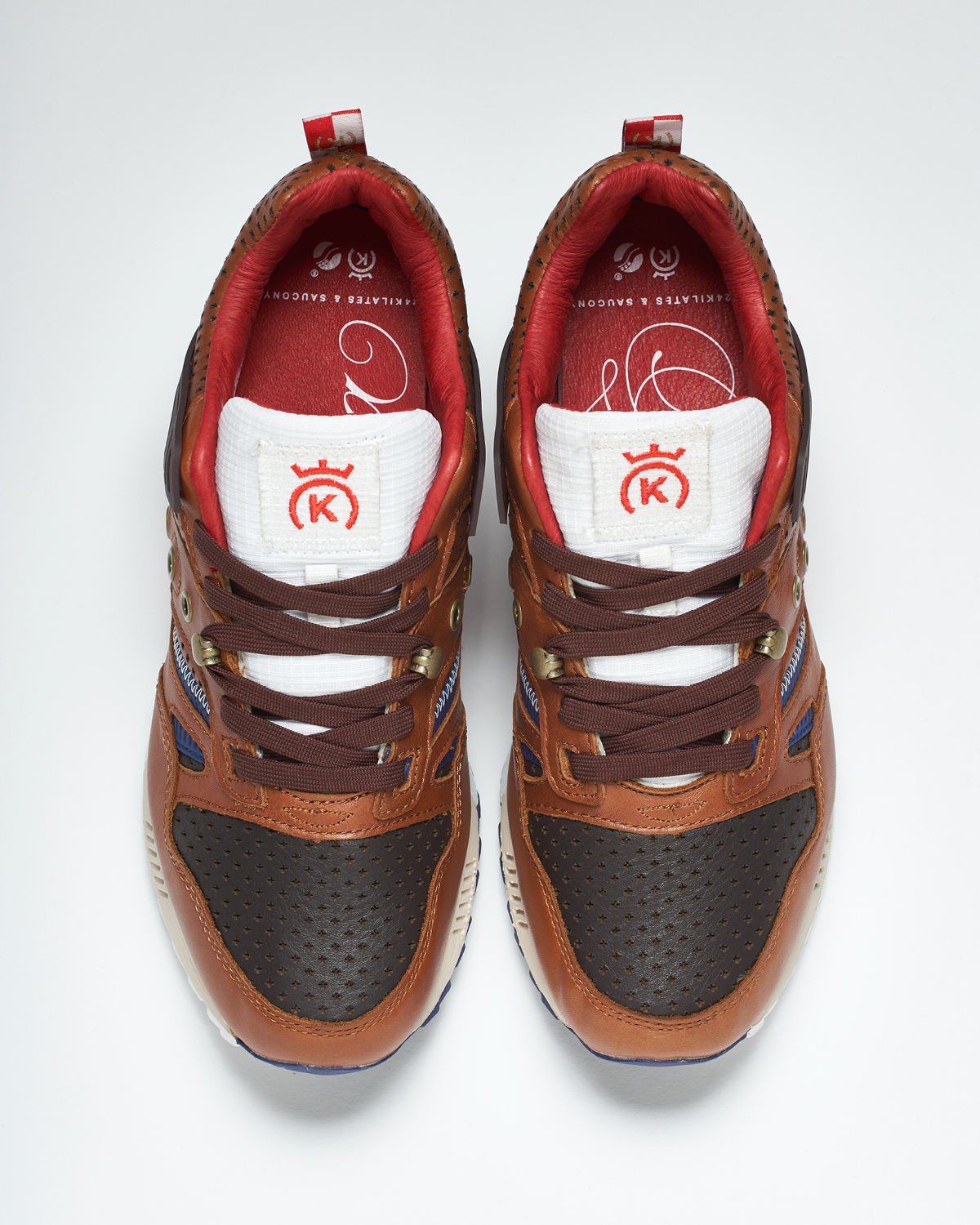 24KILATES-SAUCONY-LAVICTORIA-PRODUCTPICTURES2-3.jpg