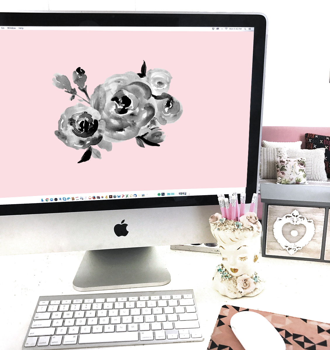 desktop-watercolor-pink-art.jpg
